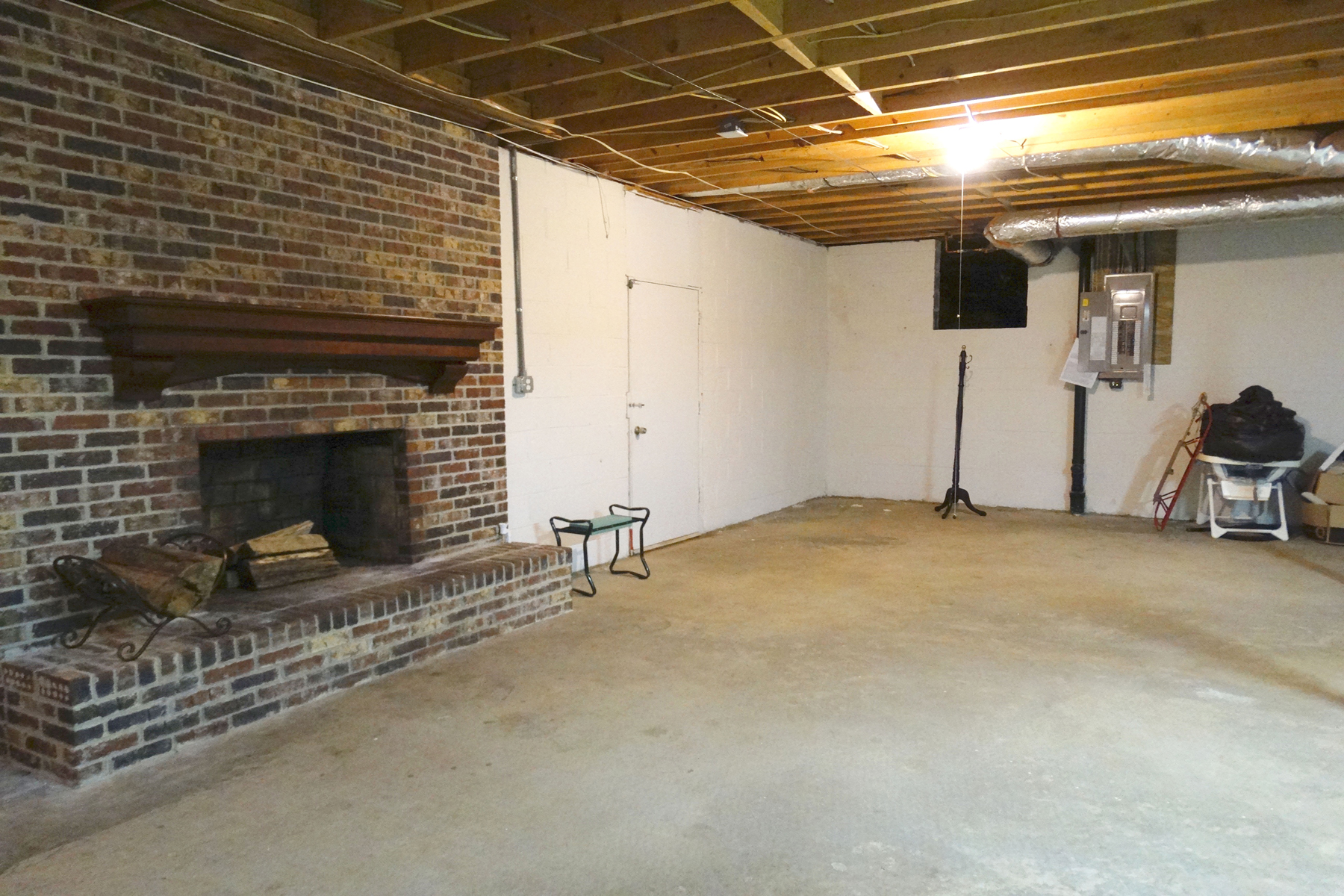 Additional photo for property listing at Brick Ranch On A Basement With A Saltwater Pool 145 Pine Knott Road Fayetteville, Georgia 30214 Hoa Kỳ