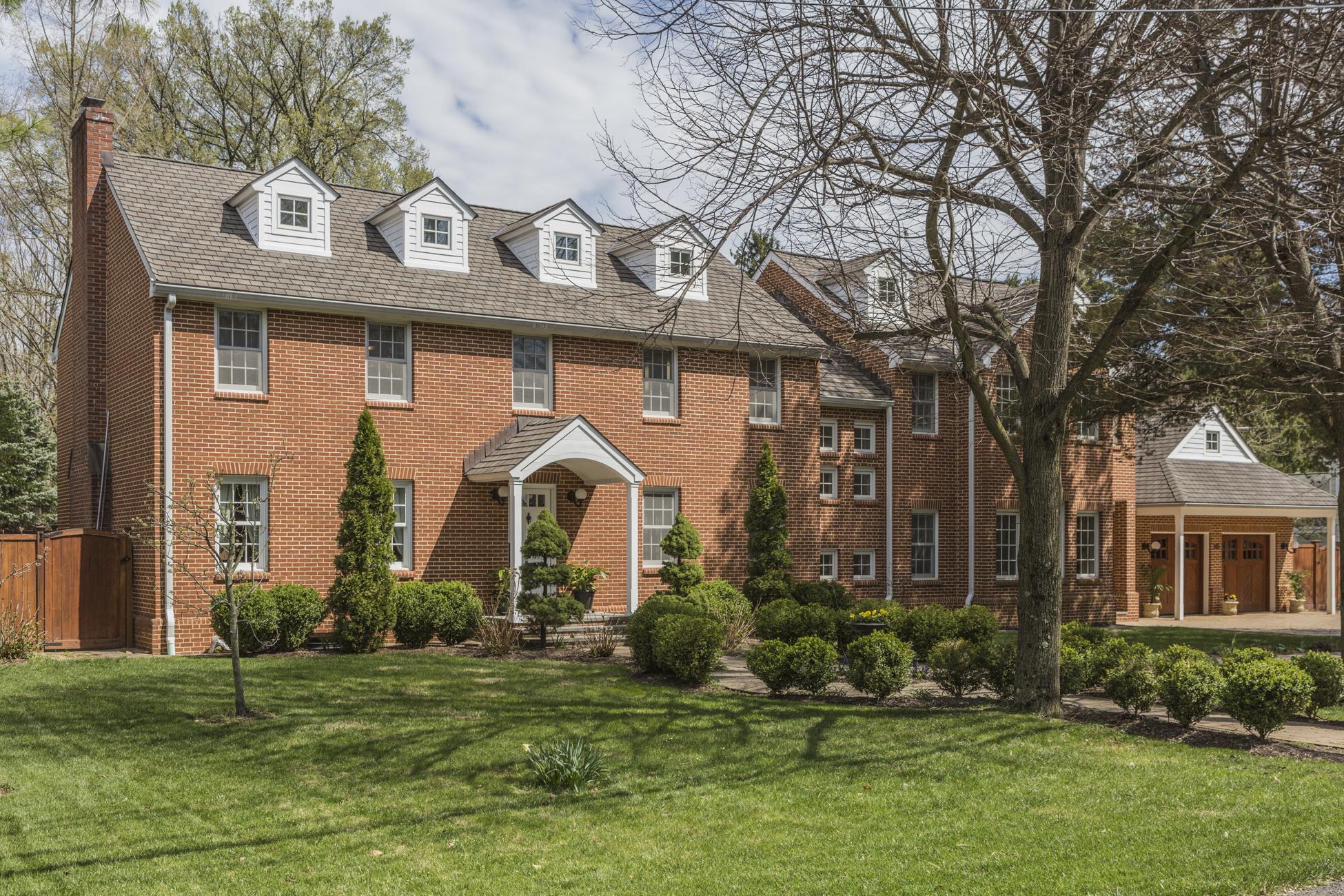 Maison unifamiliale pour l Vente à A Haven for Healthful Living 105 Elm Road Princeton, New Jersey, 08540 États-Unis