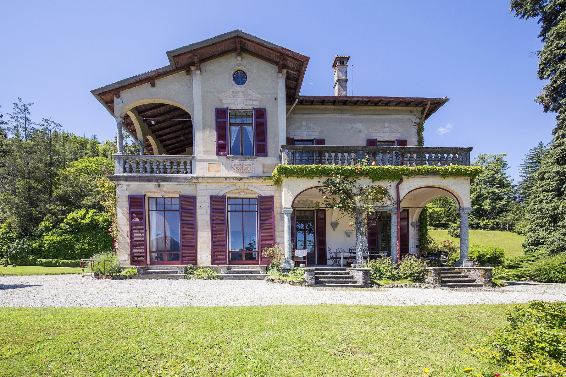 Additional photo for property listing at Wonderful villa with amazing lakeview Via Alfredo Wyatt Menaggio, Como 22017 Italien