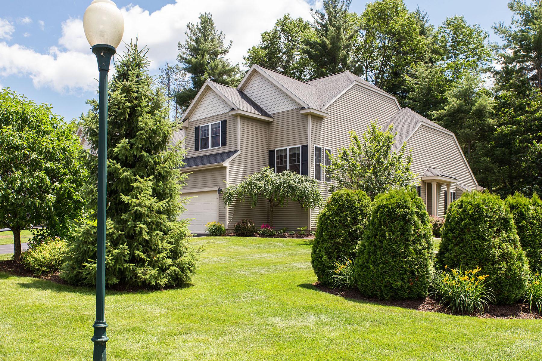 Nhà phố vì Bán tại Townhome on McGregor Golf Course 85 Claire Pass Saratoga Springs, New York 12866 Hoa Kỳ