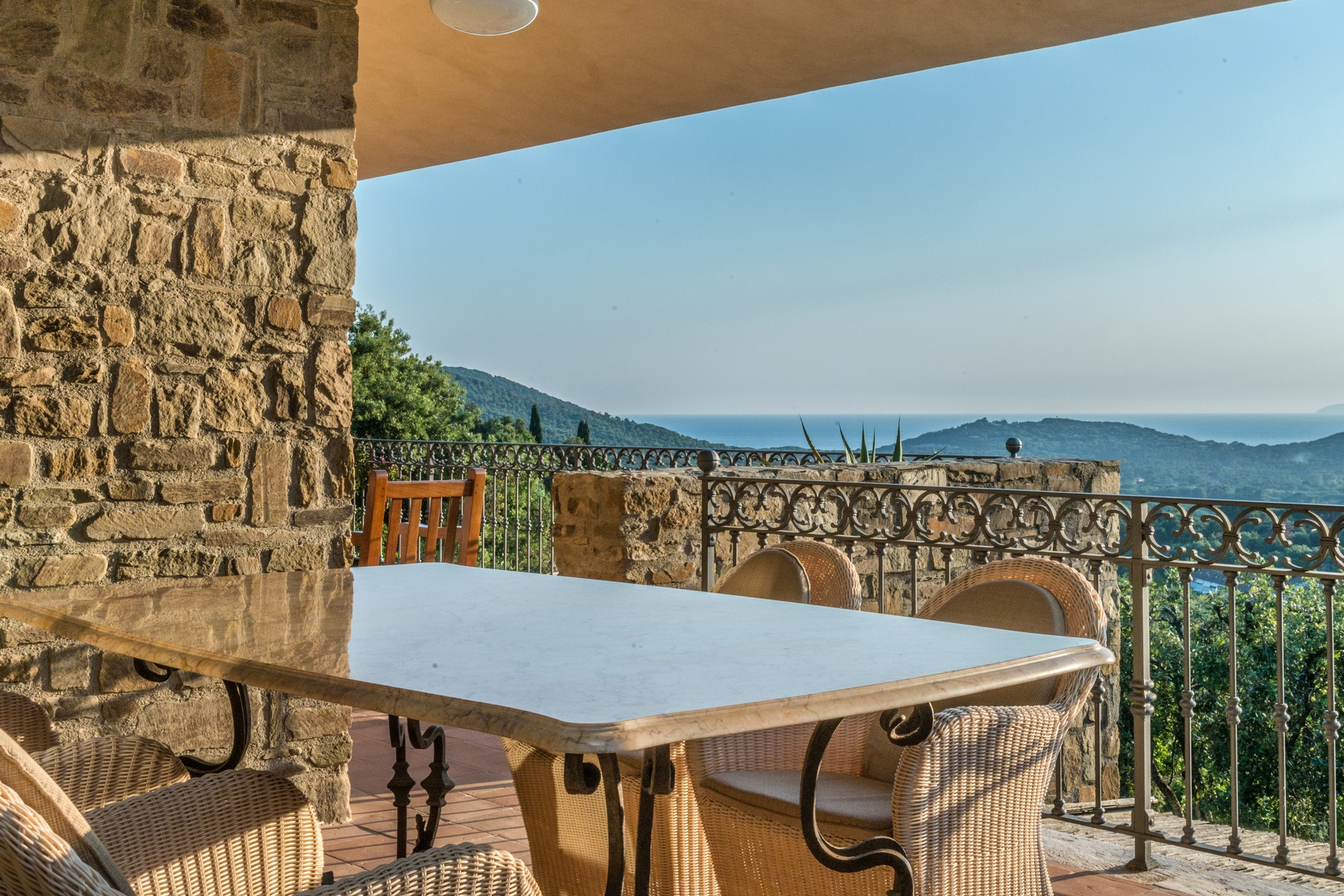 Additional photo for property listing at Sophisticated villa in the green with views of the Gulf Punta Ala Punta Ala, Grosseto 58043 Italia