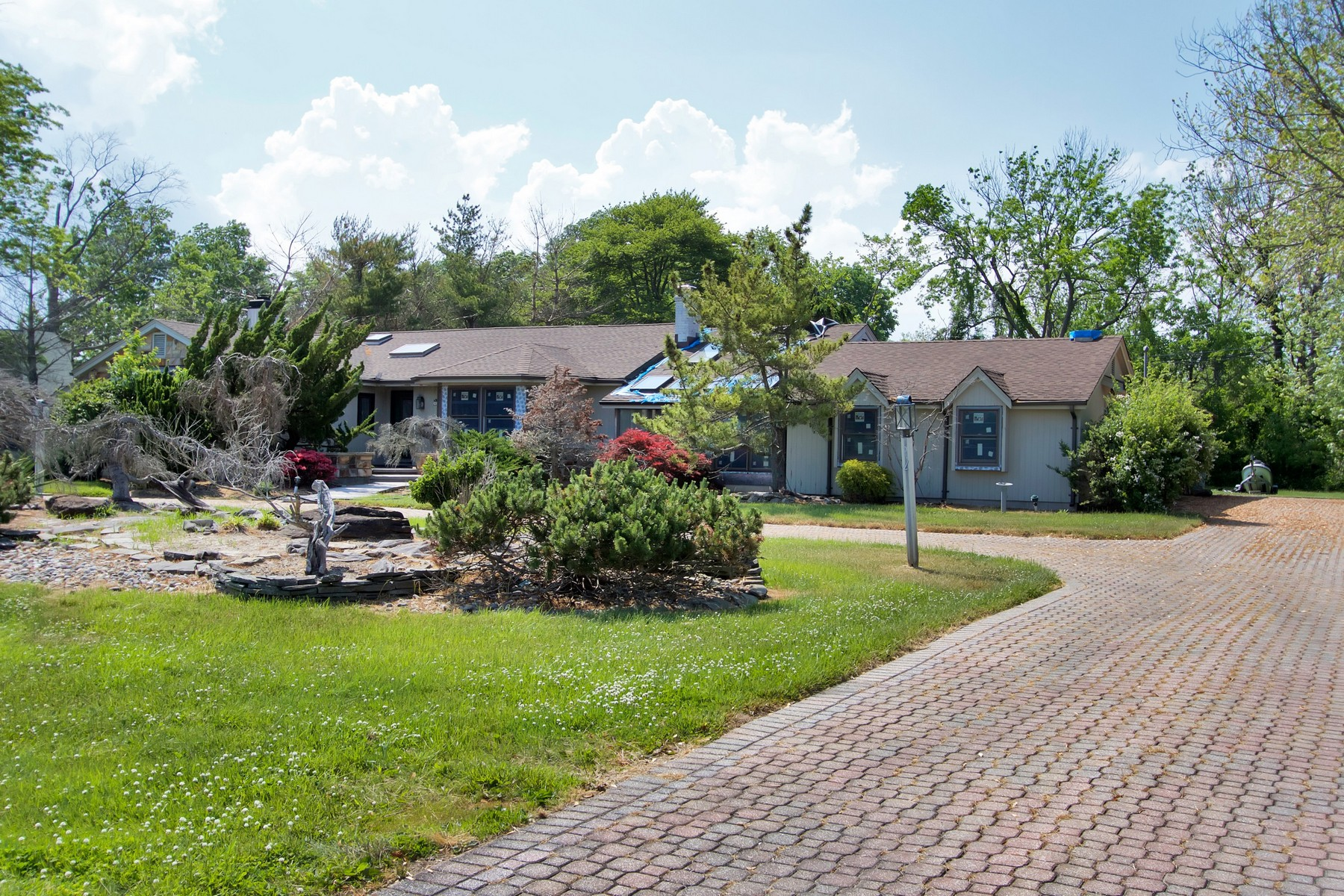 Single Family Home for Sale at Oceanport 27 Shore Rd Oceanport, New Jersey 07757 United States