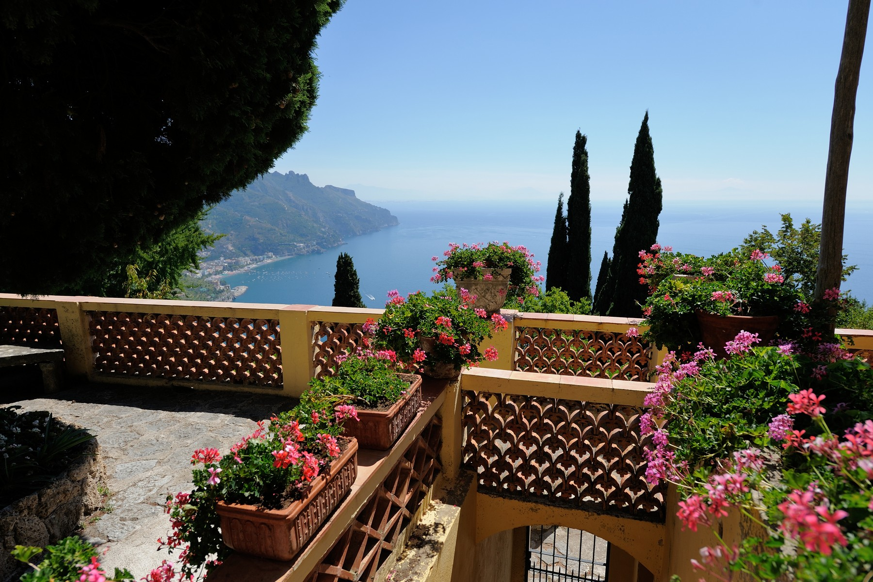 Additional photo for property listing at Extraordinary historic villa in the heart of Ravello Ravello, Salerno Italia