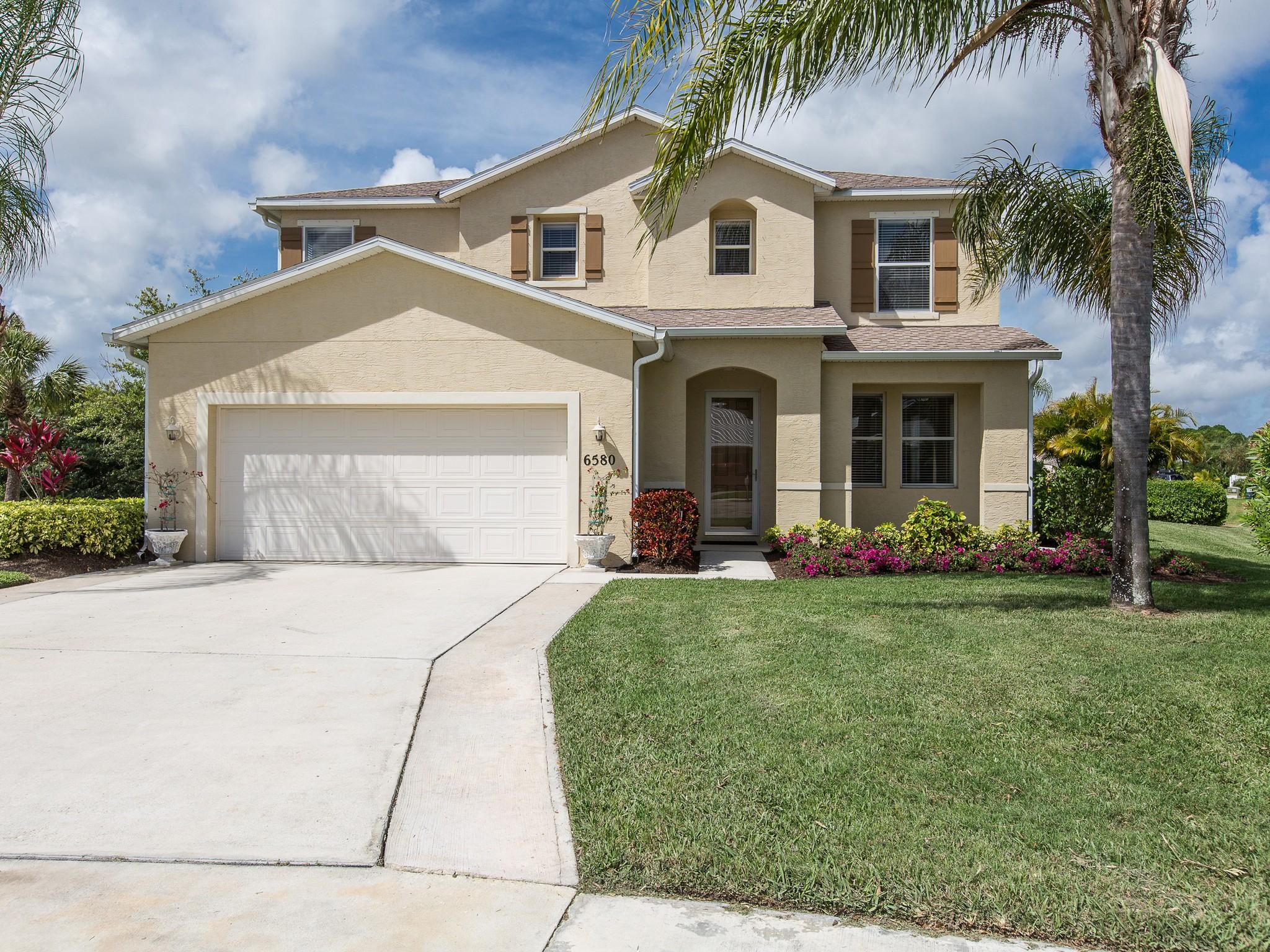 Maison unifamiliale pour l Vente à Perfect Home in Oak Chase 6580 35th Lane Vero Beach, Florida 32966 États-Unis