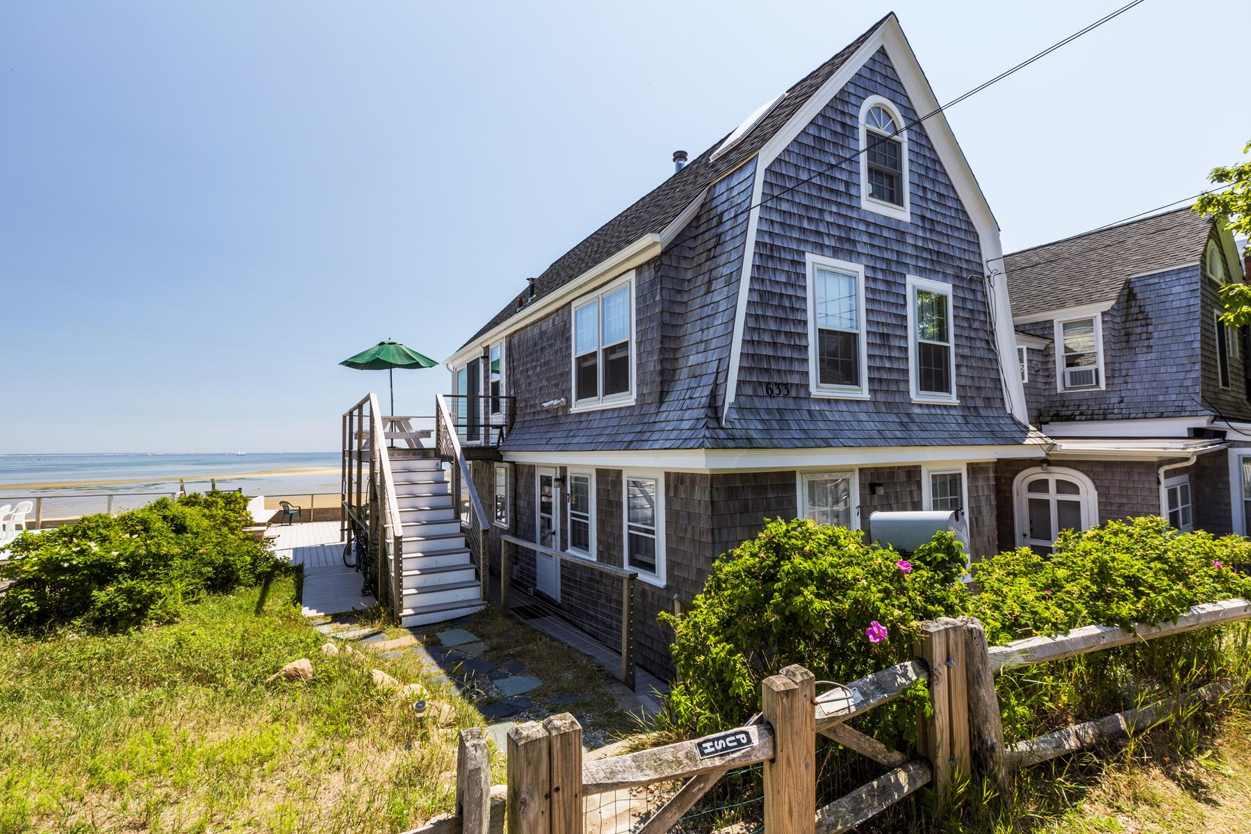 Condominio per Vendita alle ore The Boat House 633 Commercial Street, Unit 4 Provincetown, Massachusetts 02657 Stati Uniti
