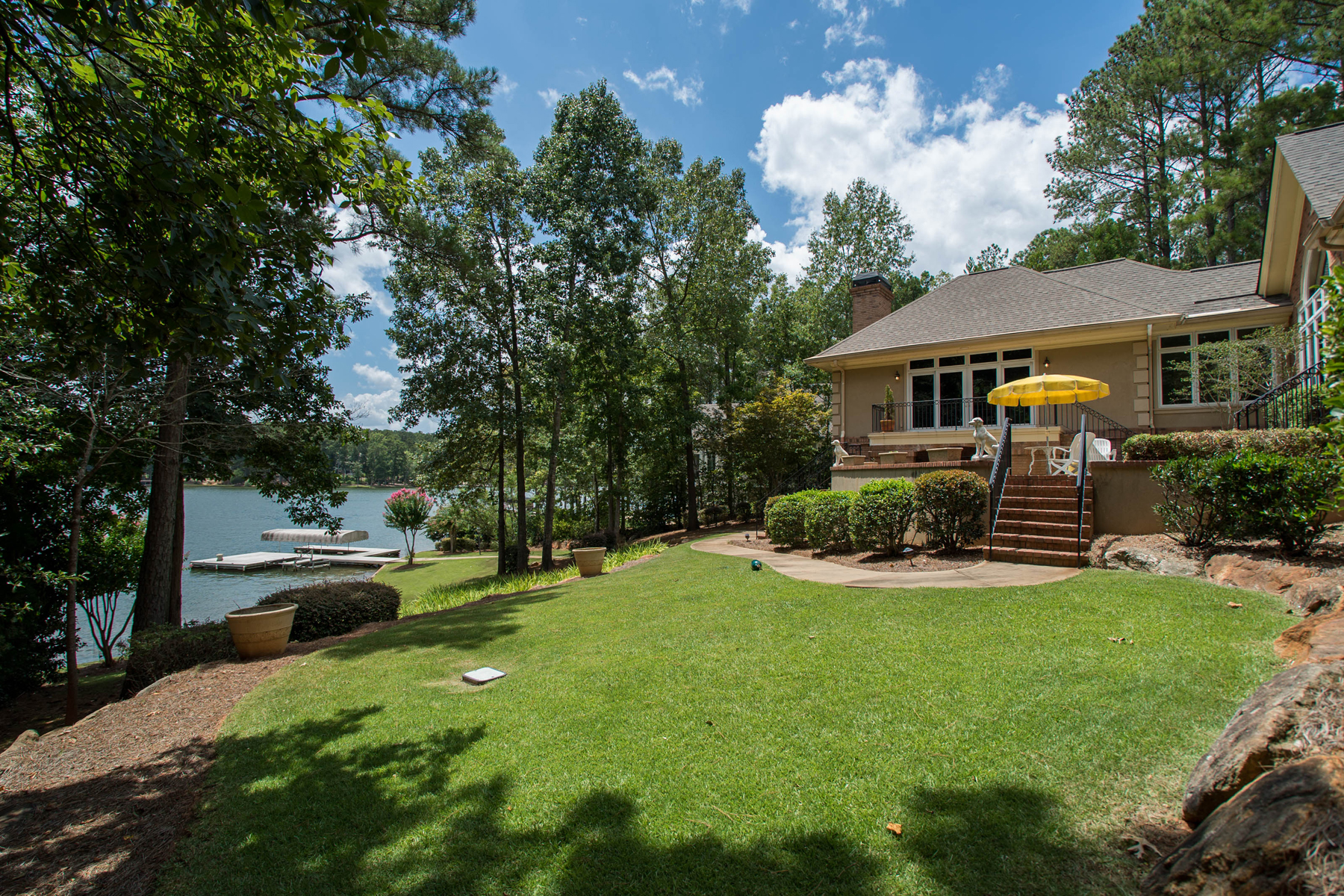 Additional photo for property listing at Gorgeous Custom Home On Lake Oconee 1020 Park House Lane Greensboro, Georgien 30642 Usa