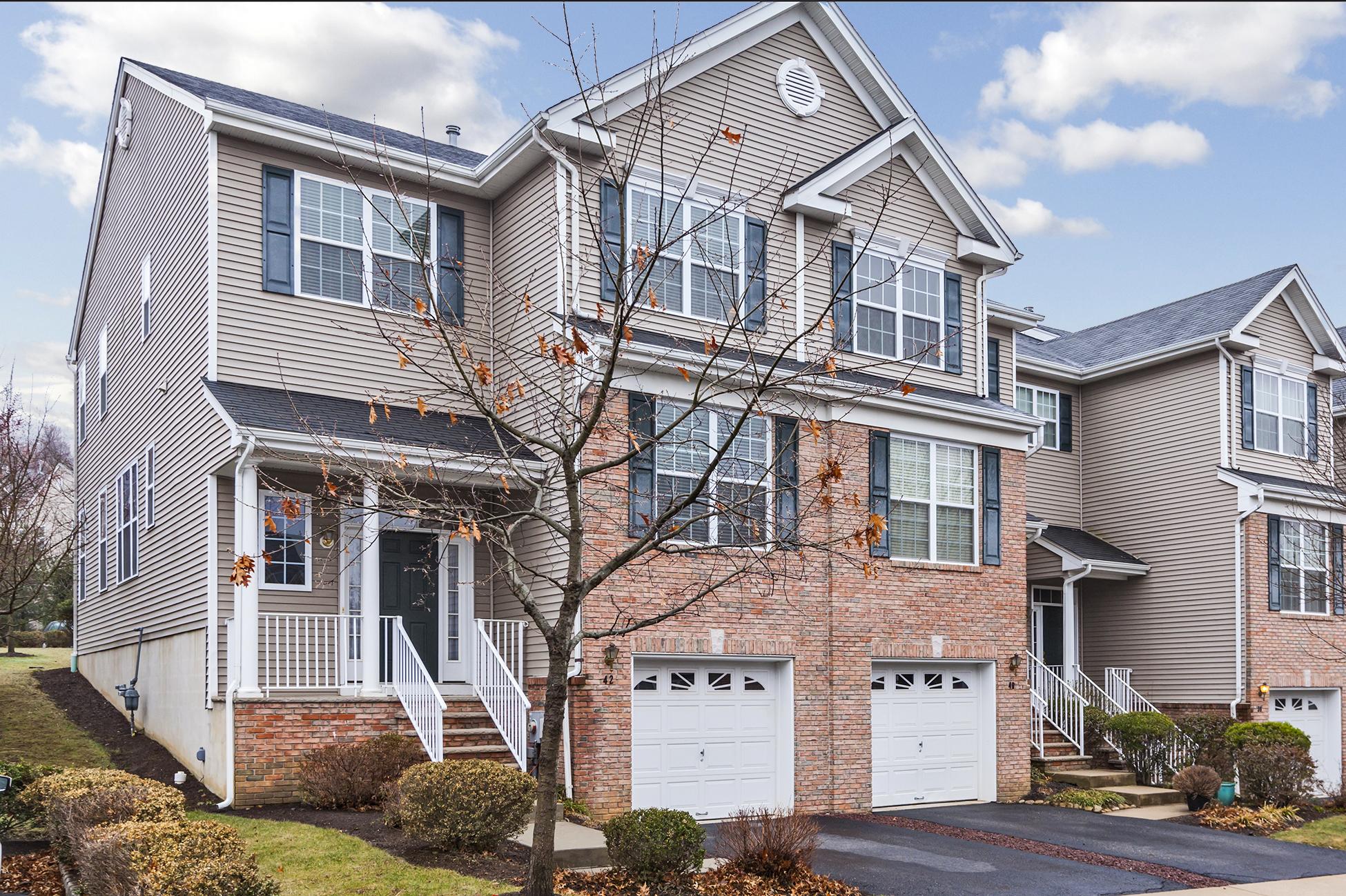 联栋屋 为 销售 在 Montgomery Hills Carmichael II end-unit - Montgomery Township 42 Truman Avenue Princeton, 新泽西州 08540 美国