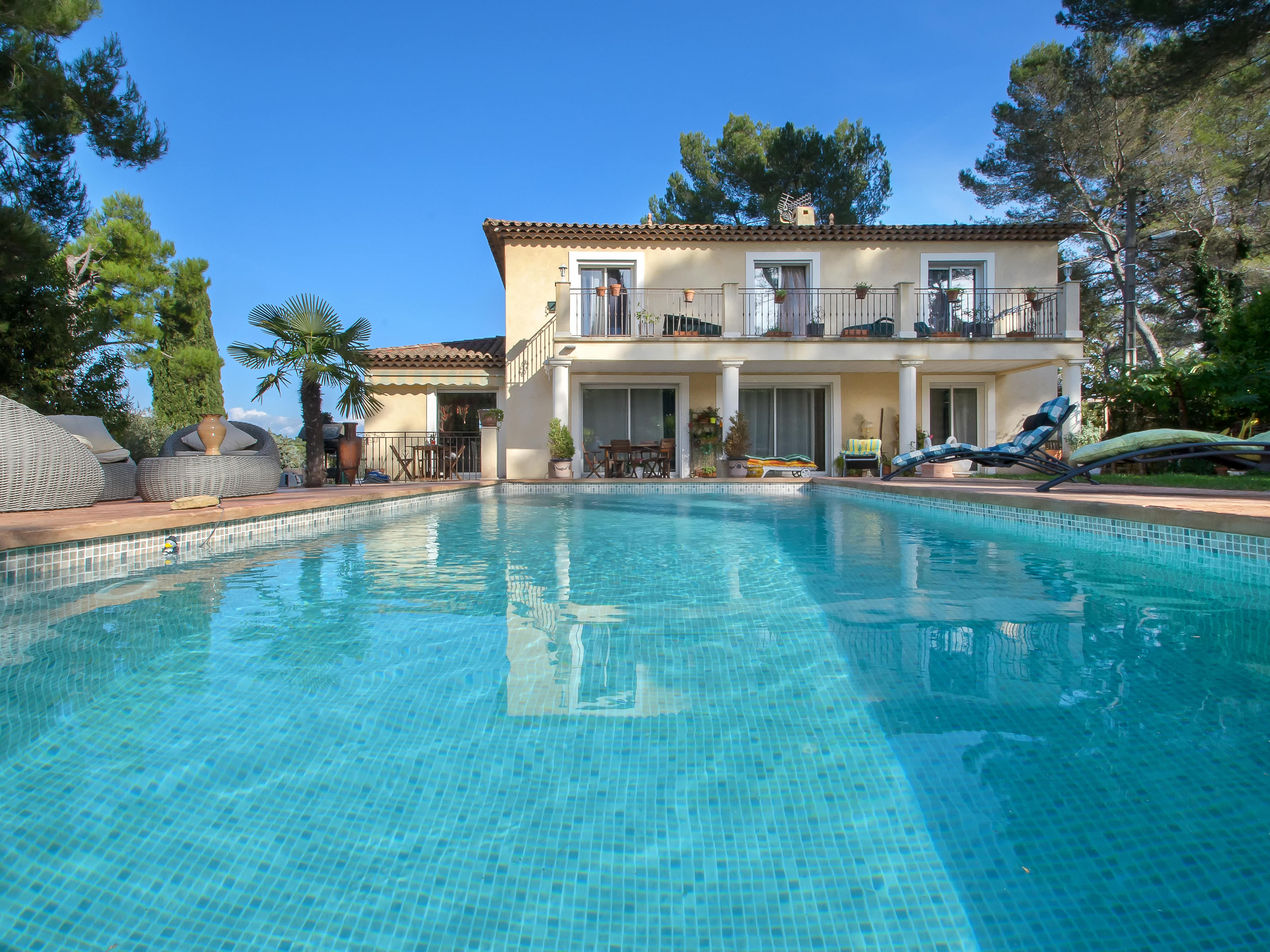 Maison unifamiliale pour l Vente à Gated domain - charming recent villa - close to the golf course Mougins, Provence-Alpes-Cote D'Azur 06250 France