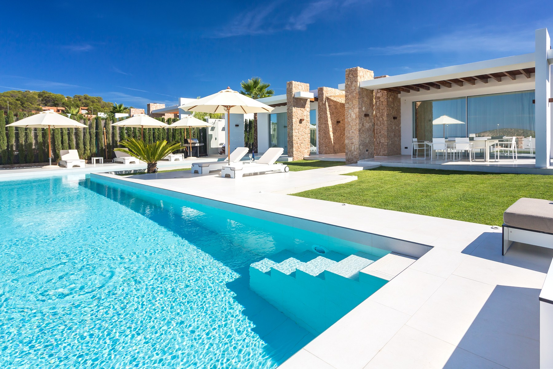 Casa Unifamiliar por un Venta en New Villa with Sunset and Sea Views Ibiza, Ibiza, 07860 España