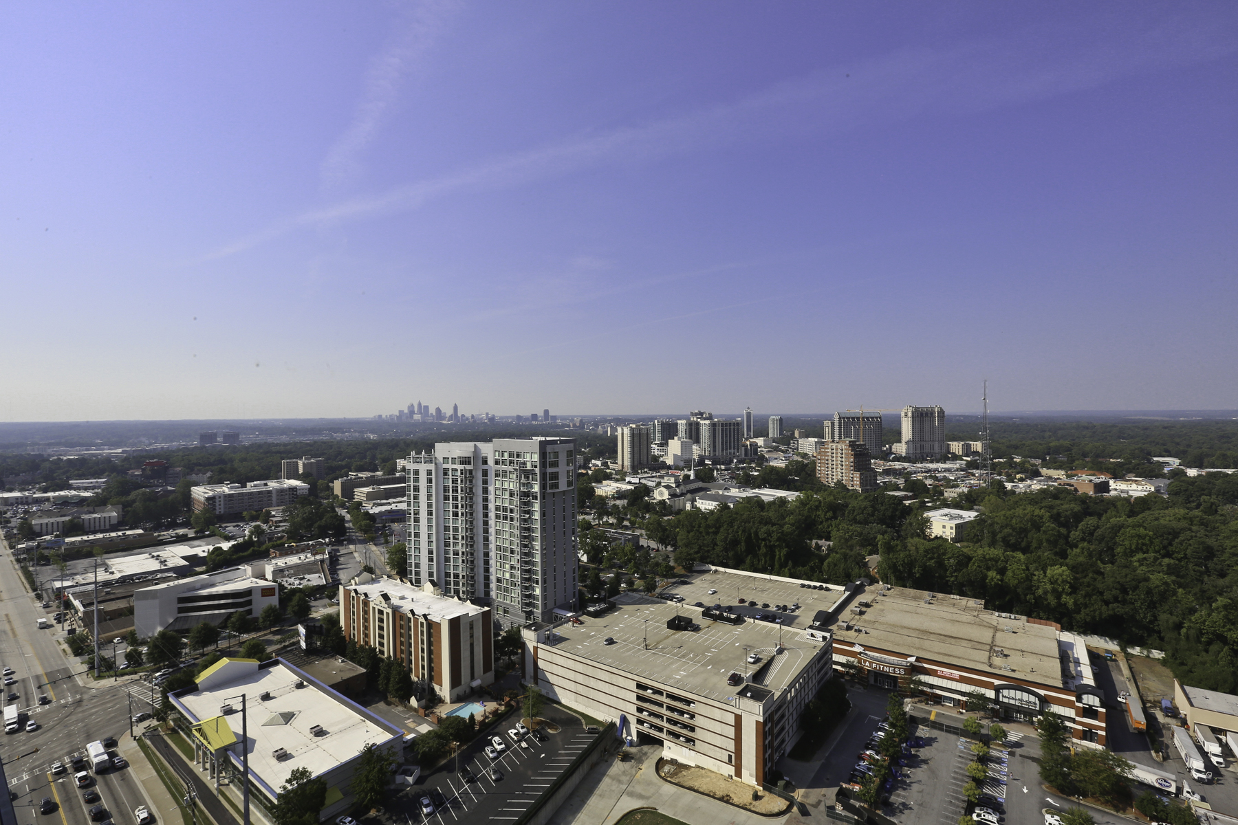 Additional photo for property listing at Gorgeous Corner Unit at Terminus on 27th Floor with Magnificent Panoramic Views 3325 Piedmont Road NE Unit 2702 Atlanta, 喬治亞州 30305 美國