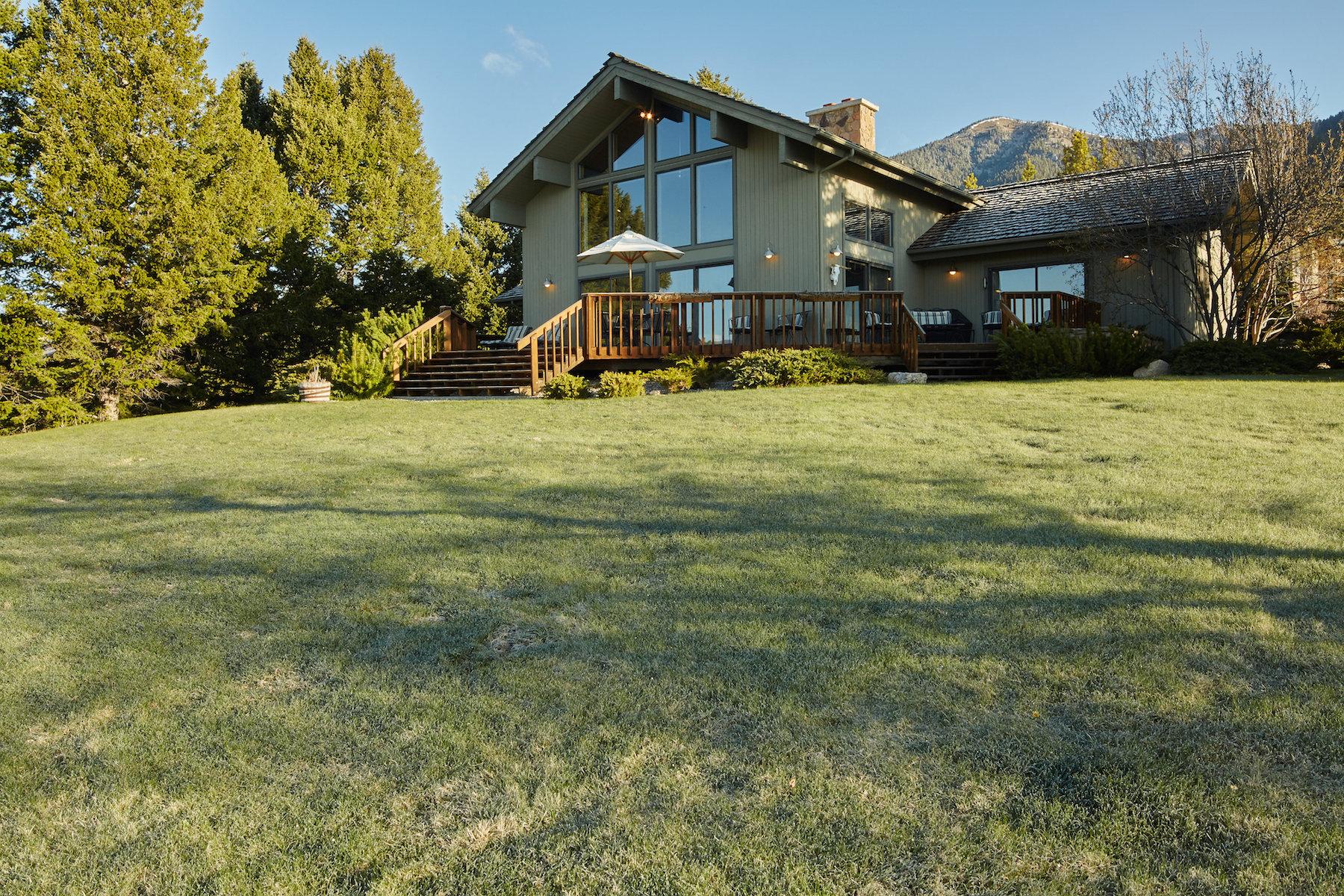 Частный односемейный дом для того Продажа на 2670 Bobtail Horse Rd 2670 Bobtail Horse Sweetgrass Hills B3 Big Sky, Монтана 59716 Соединенные Штаты