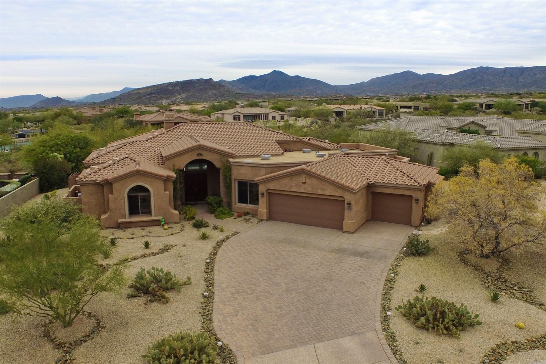 Tek Ailelik Ev için Satış at Beautiful North Scottsdale Home on Premium View Lot in Gated Community 10266 E Winter Sun Drive Scottsdale, Arizona 85262 Amerika Birleşik Devletleri