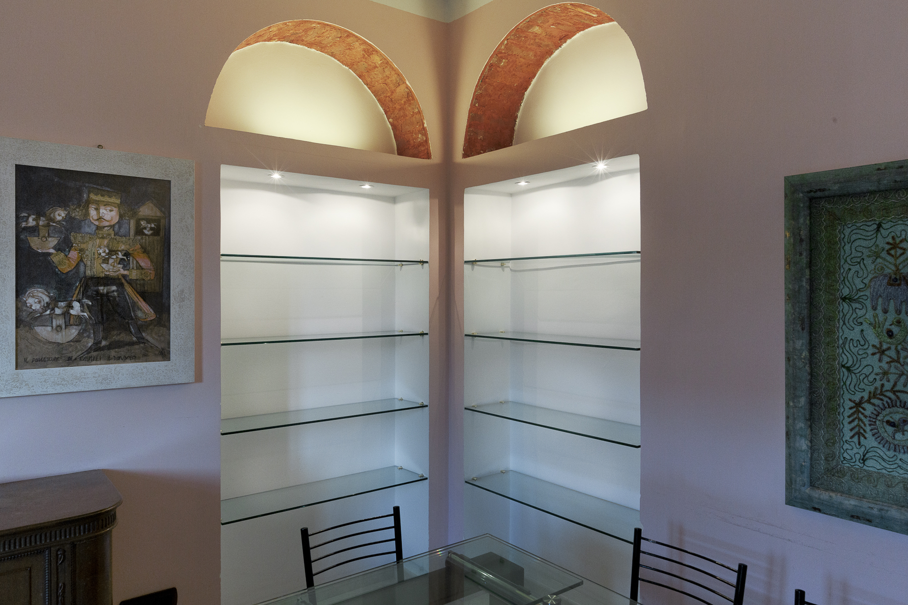 Additional photo for property listing at Refined apartament in historical building Via Broggi Milano, Milan 20123 Italia