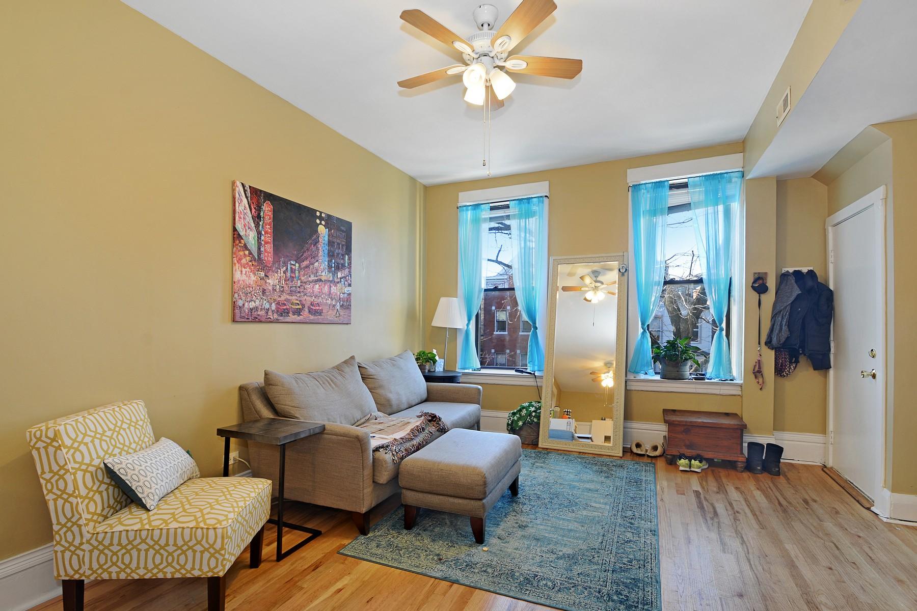 多户住宅 为 销售 在 Beautiful Massive Brick 4 Flat 2117 N Winchester Avenue Logan Square, 芝加哥, 伊利诺斯州, 60614 美国