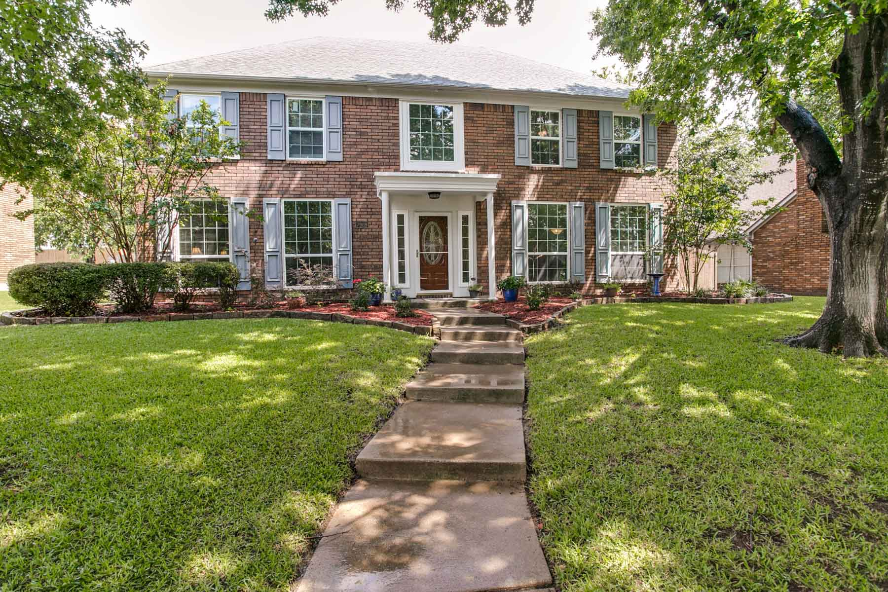 Single Family Home for Sale at Traditional Home in Summer Creek 7969 Morning Lane Fort Worth, Texas, 76123 United States