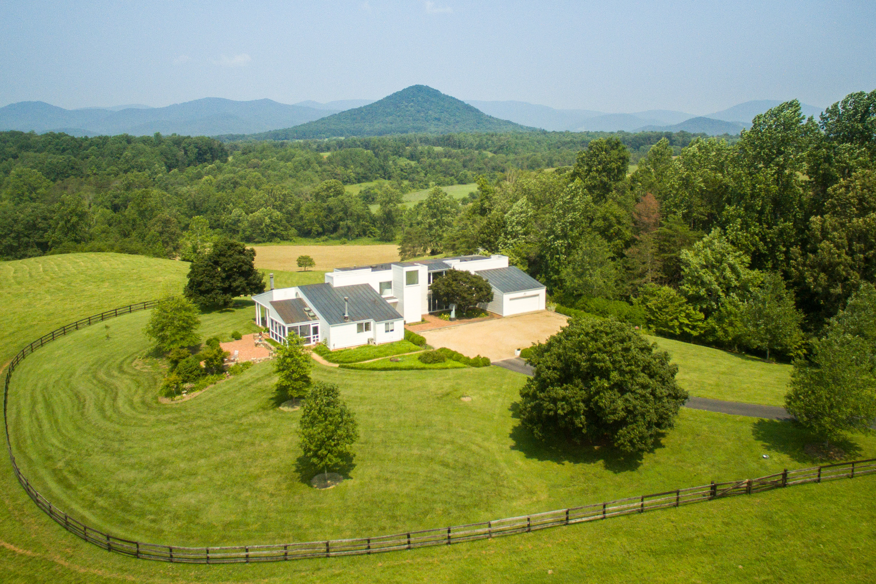 Single Family Home for Sale at Danwell Farm 777 Allen Road Charlottesville, Virginia, 22936 United States