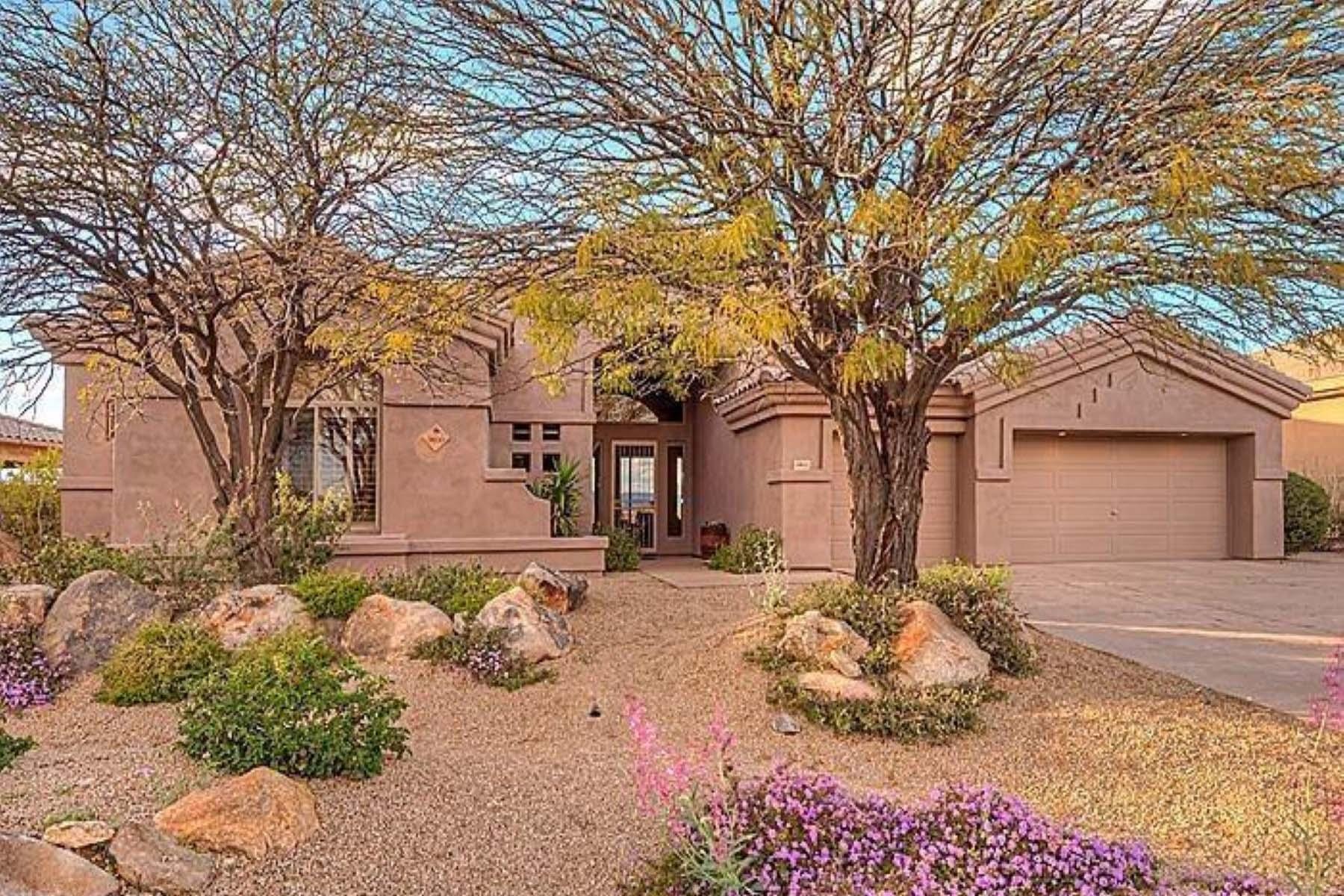 Casa Unifamiliar por un Venta en Beautiful home located on the golf course 16th green. 9800 E ROADRUNNER DR Scottsdale, Arizona 85262 Estados Unidos
