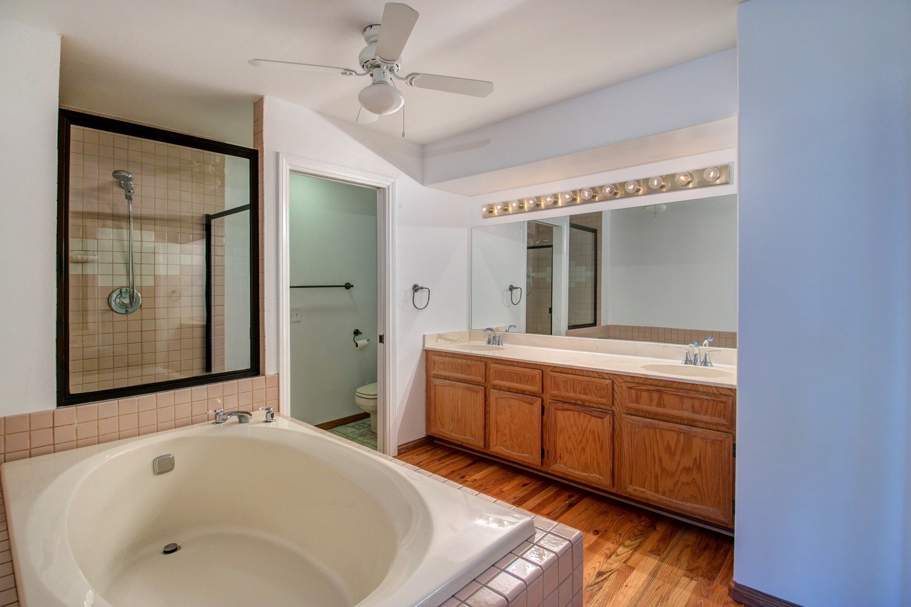 Additional photo for property listing at 1055 Donahue Street, Suite 7  圣地亚哥, 加利福尼亚州 92110 美国