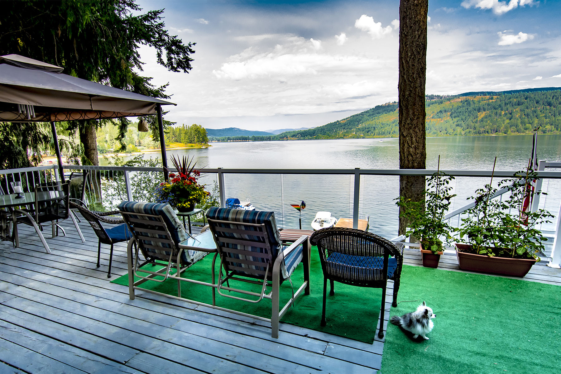 Single Family Home for Sale at Great Waterfront Home with Dock 133 Shadow Cove Lane Cocolalla, Idaho 83813 United States