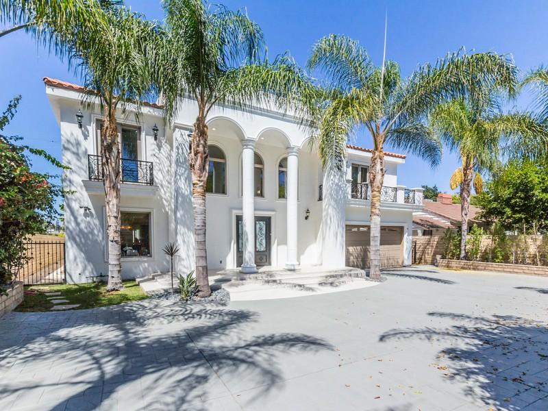 Vivienda unifamiliar por un Venta en 16459 Otsego St Encino, California 91436 Estados Unidos