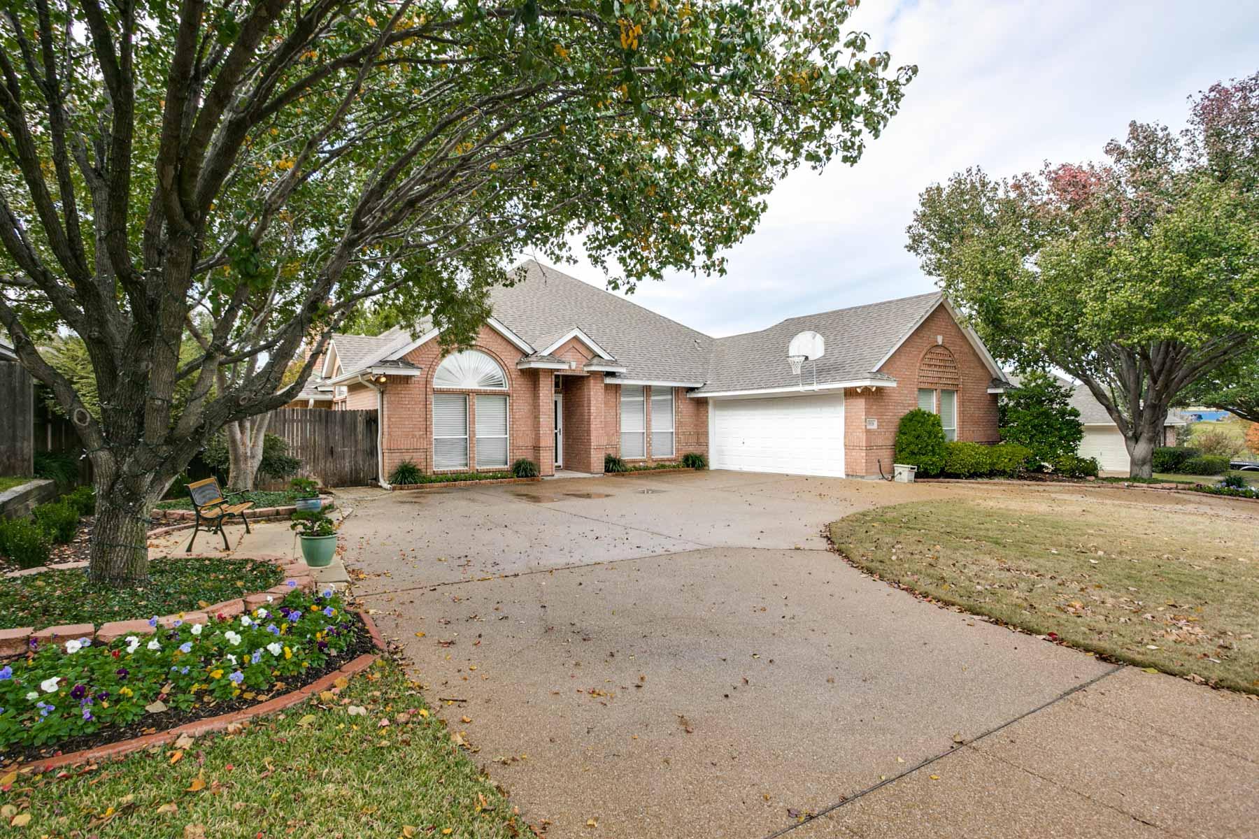 Single Family Home for Sale at Quail Ridge Estates 6908 Tameron Trail Fort Worth, Texas, 76132 United States