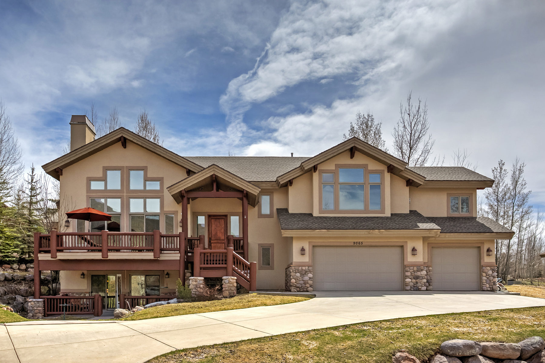 Single Family Home for Sale at Charming Mountain Contemporary 9065 N Cheyenne Way Park City, Utah, 84098 United States