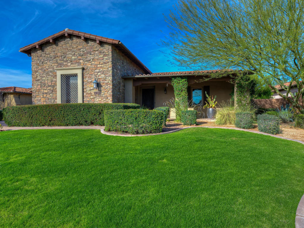 Single Family Home for Sale at Private Cul-de-Sac 9620 E Buteo Dr Scottsdale, Arizona 85255 United States