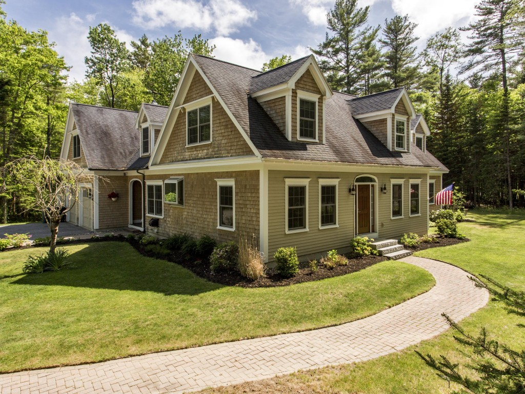 Single Family Home for Sale at 55 Dune Drive Freeport, Maine, 04032 United States