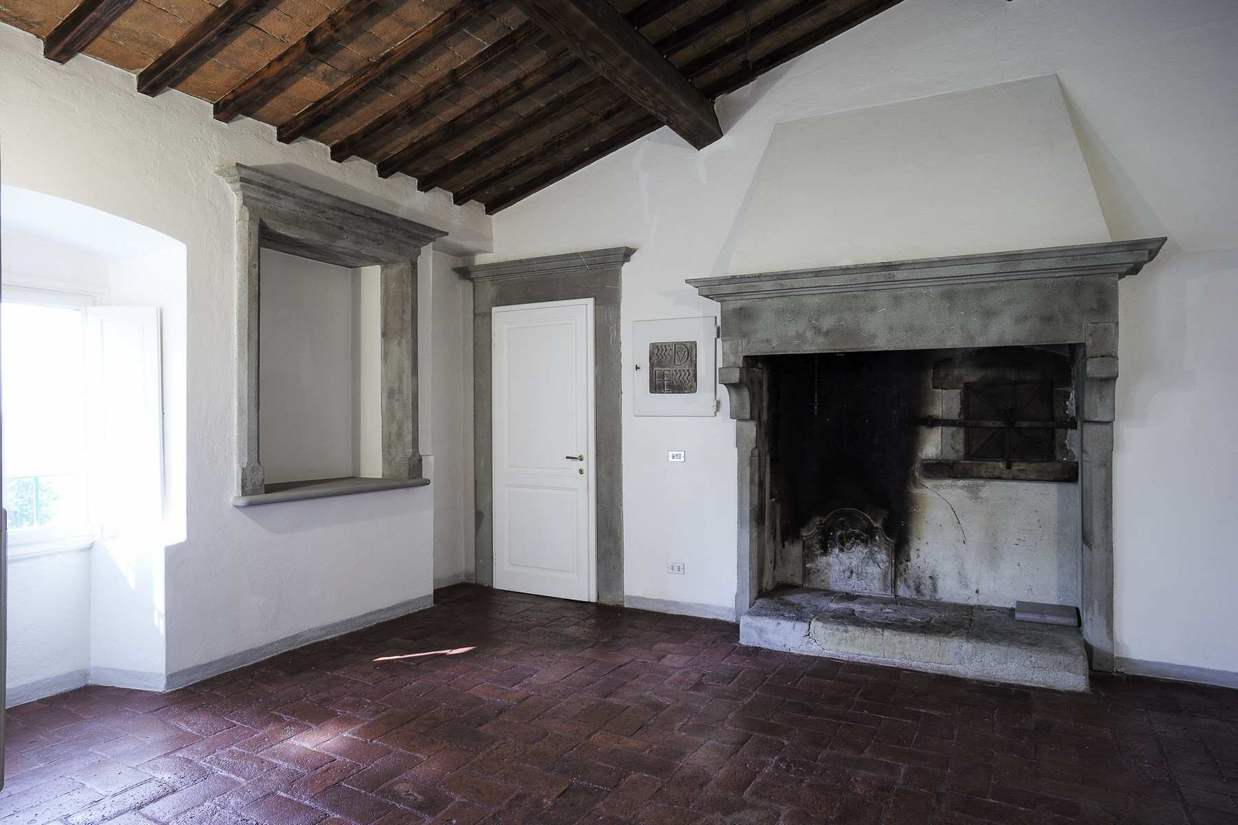 Additional photo for property listing at Marvelous renaissance villa on the Florentine's hills Via Sant'Andrea a Sveglia Fiesole, Florence 50014 Italy
