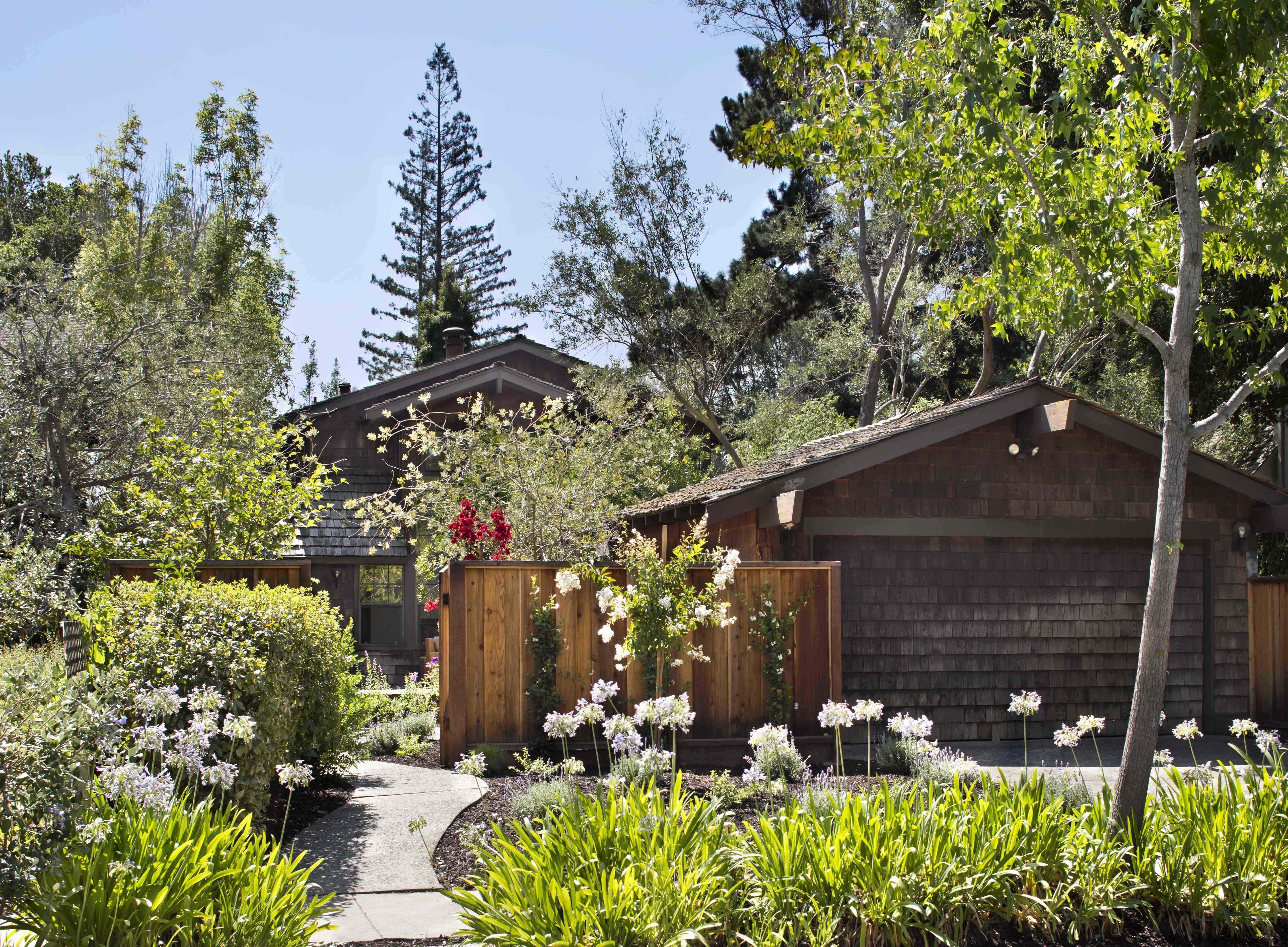 Maison unifamiliale pour l Vente à Old Palo Alto 440 Churchill Avenue Palo Alto, Californie 94301 États-Unis