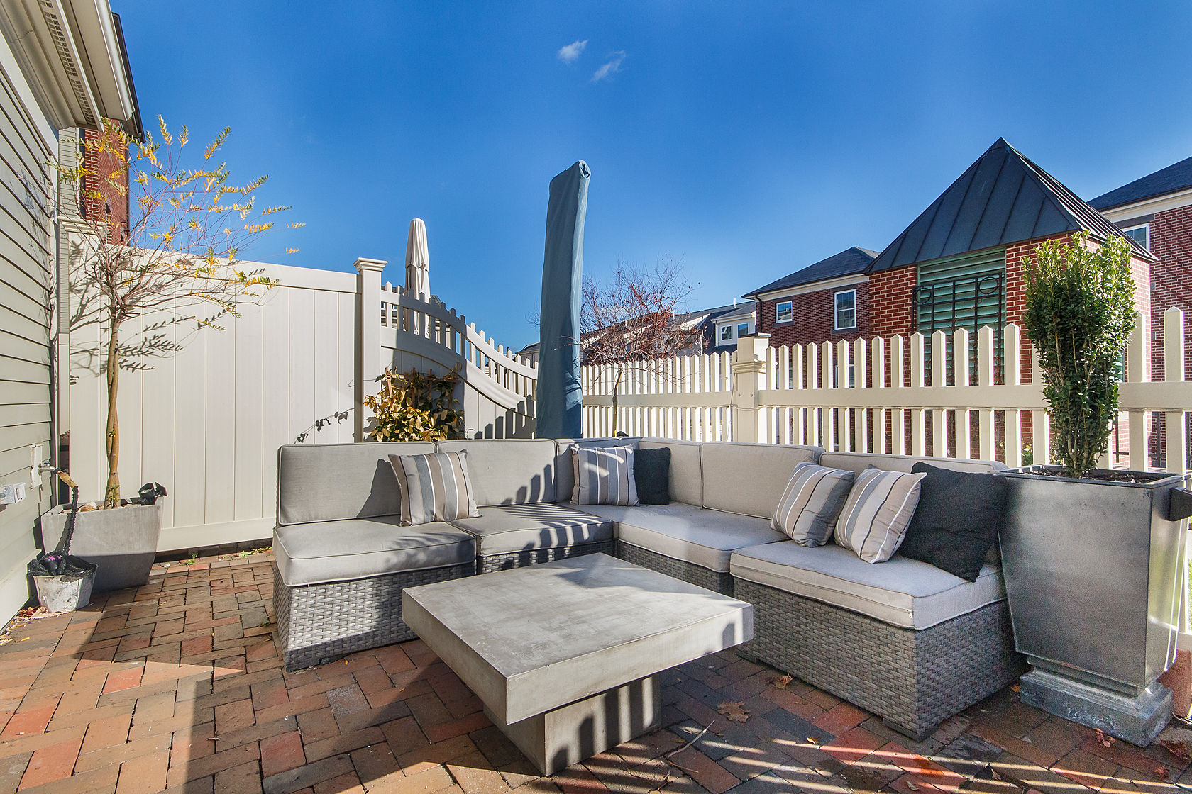 Property For Sale at 49 Chelsea Street - Unit 49
