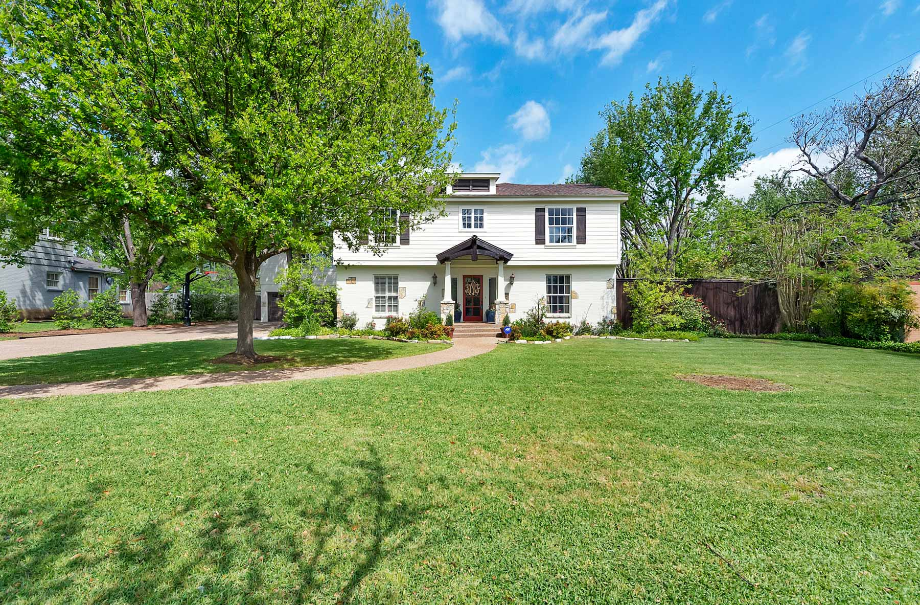 Single Family Home for Sale at Colonial, Traditional, Ridglea 6304 Greenway Road Fort Worth, Texas, 76116 United States