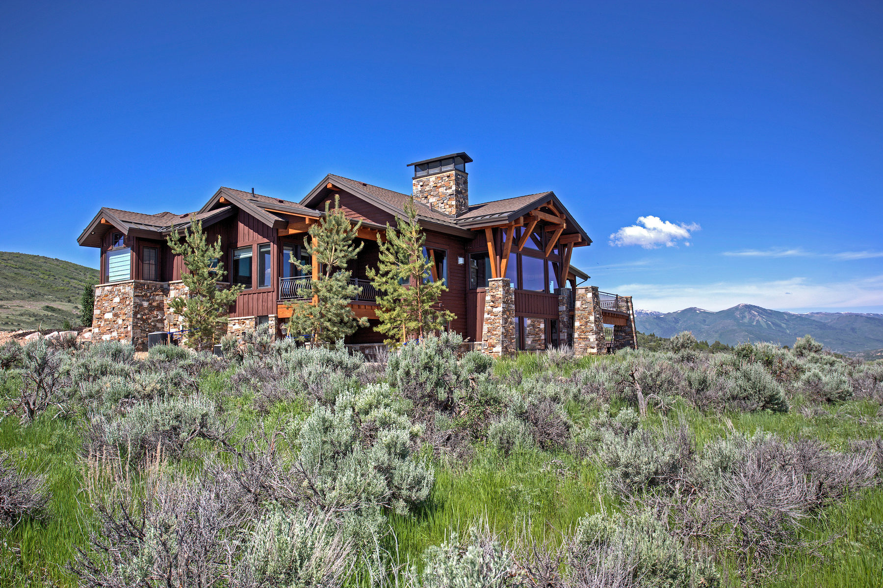 Maison unifamiliale pour l Vente à Custom Home with Panoramic River and Mountain Views 5891 N Caddis Cir Heber City, Utah, 84032 États-Unis