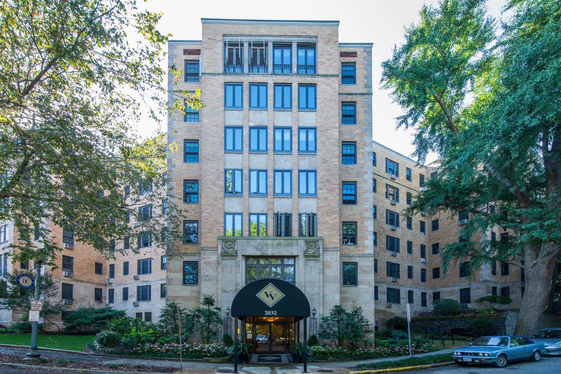 Appartement en copropriété pour l Vente à 2032 Belmont Road Nw 516, Washington Washington, District De Columbia 20009 États-Unis