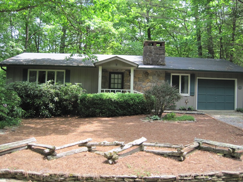 Single Family Home for Sale at 180 Mount Lori Drive Highlands, North Carolina 28741 United States