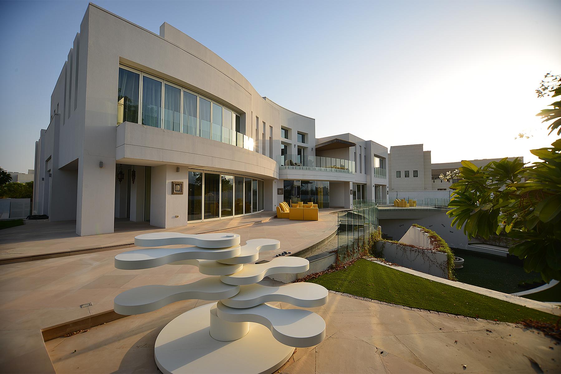 独户住宅 为 销售 在 Living Masterpiece of Sophistication and Serenity Emirates Hills, Dubai, 阿联酋