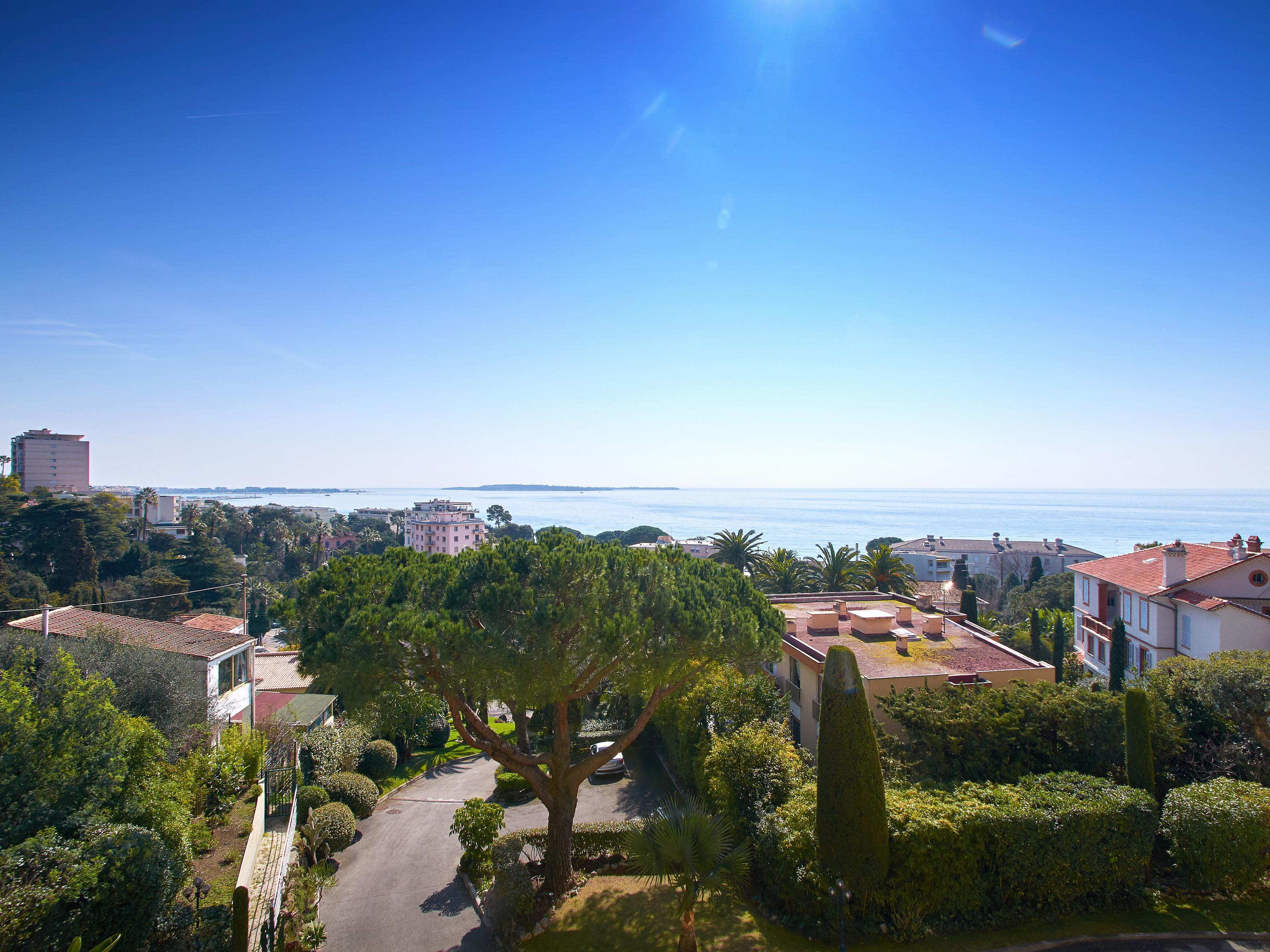 Casa Unifamiliar por un Venta en Apartment for sale Cannes Cannes, Provincia - Alpes - Costa Azul 06150 Francia