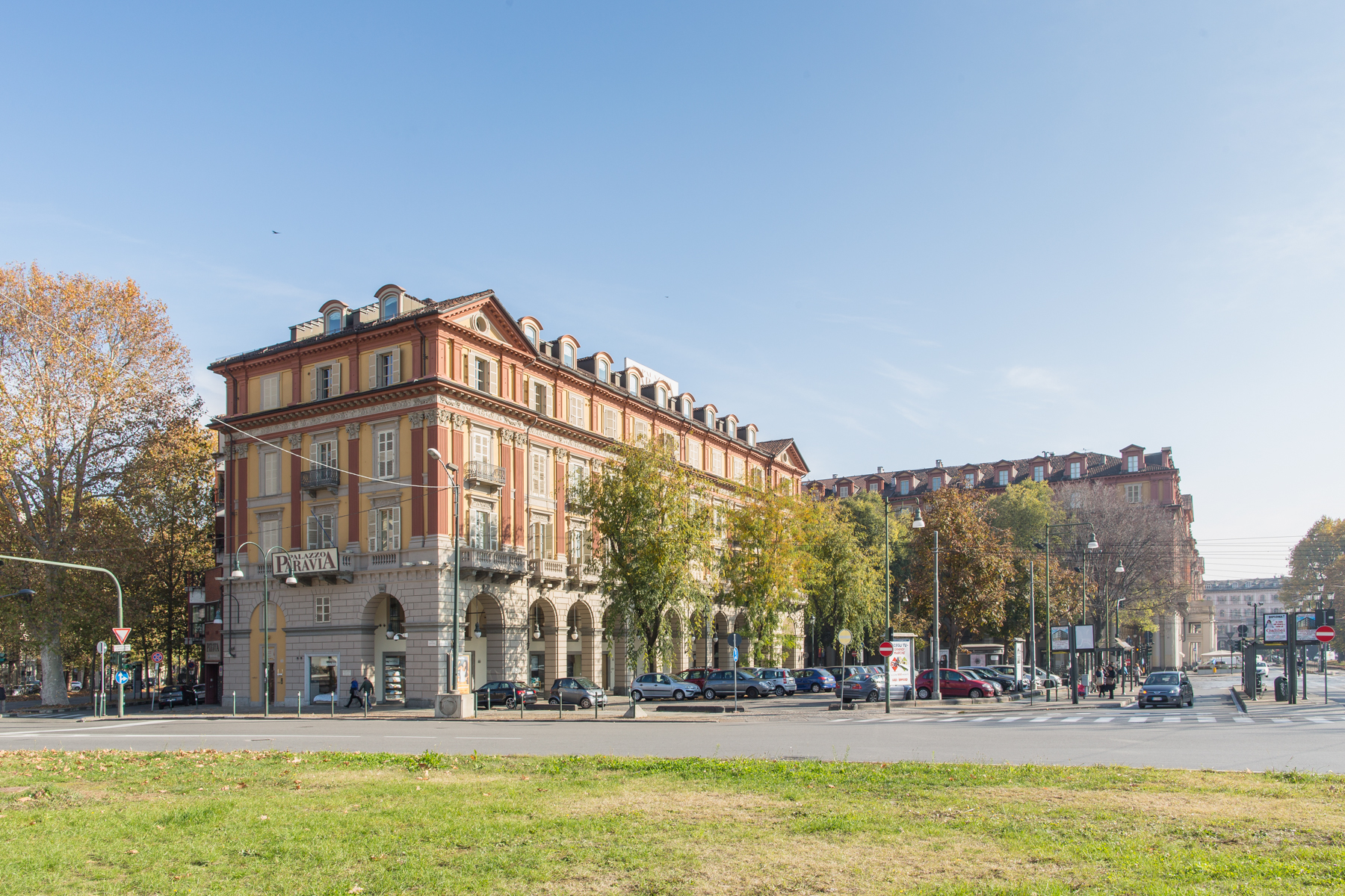 Additional photo for property listing at Prestigius Office in Palazzo Paravia Piazza Statuto Turin, Turin 10122 Italie