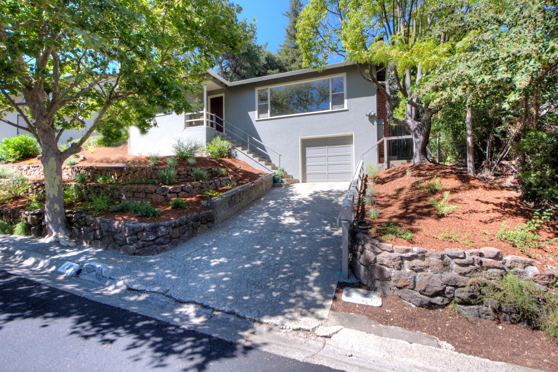 Einfamilienhaus für Verkauf beim Charming Contemporary in San Anselmo 18 Jordan Avenue San Anselmo, Kalifornien, 94960 Vereinigte Staaten