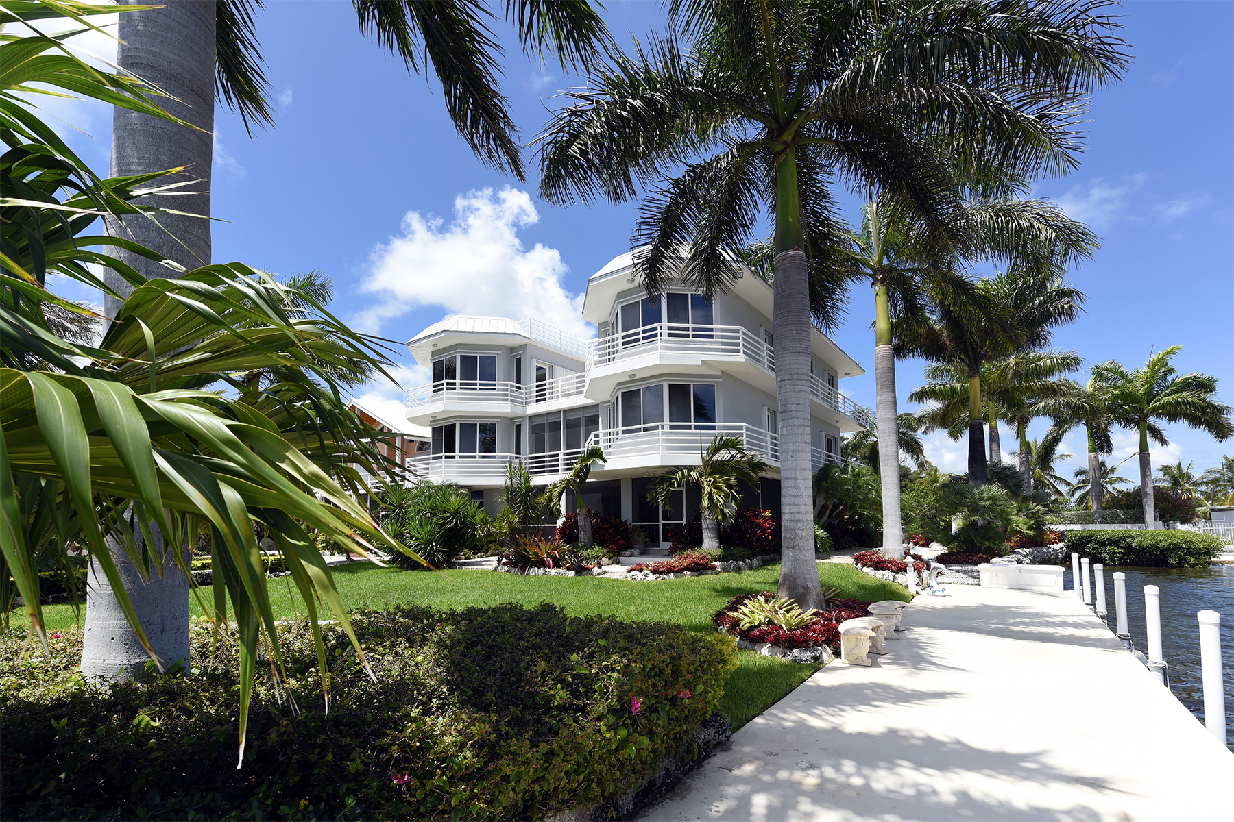 Casa Unifamiliar por un Venta en Grand Bayfront Estate 569 Hazel Street Key Largo, Florida, 33037 Estados Unidos