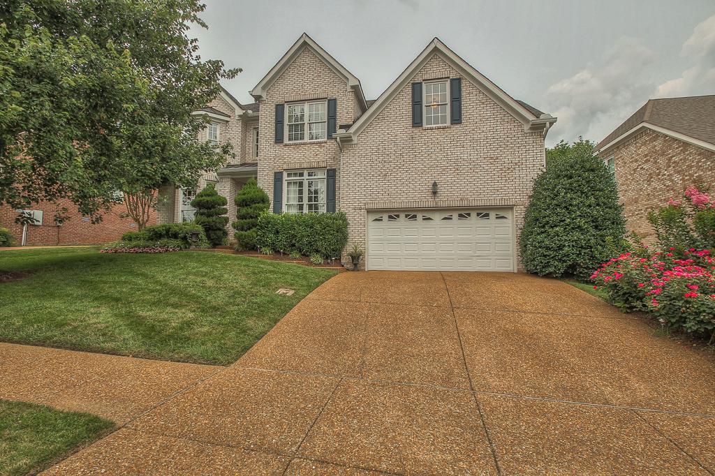 Villa per Vendita alle ore Exquisite Home in Fieldstone Farms 231 Heathstone Circle Franklin, Tennessee 37069 Stati Uniti