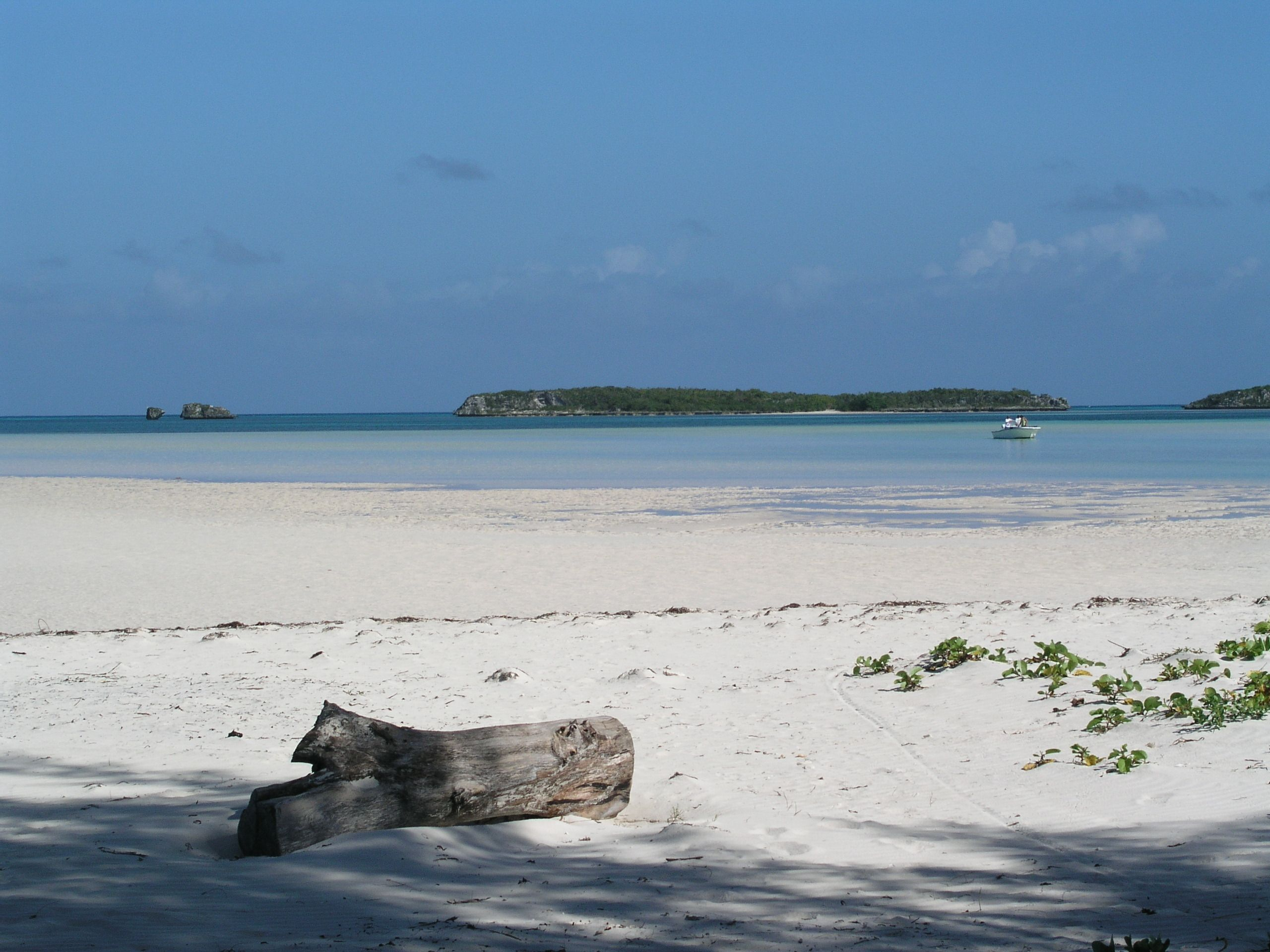 Land for Sale at Lot 4 with beach access Spanish Wells, Eleuthera Bahamas