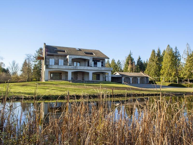 Casa para uma família para Venda às Quintessential Waterfront Living 12729 Wagner Rd Monroe, Washington 98272 Estados Unidos