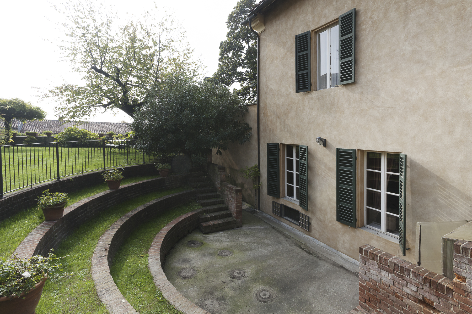 Additional photo for property listing at A fascinating XVII century Villa in Revigliasco Hill Strada Moncalieri Revigliasco, Turin 10024 Italia