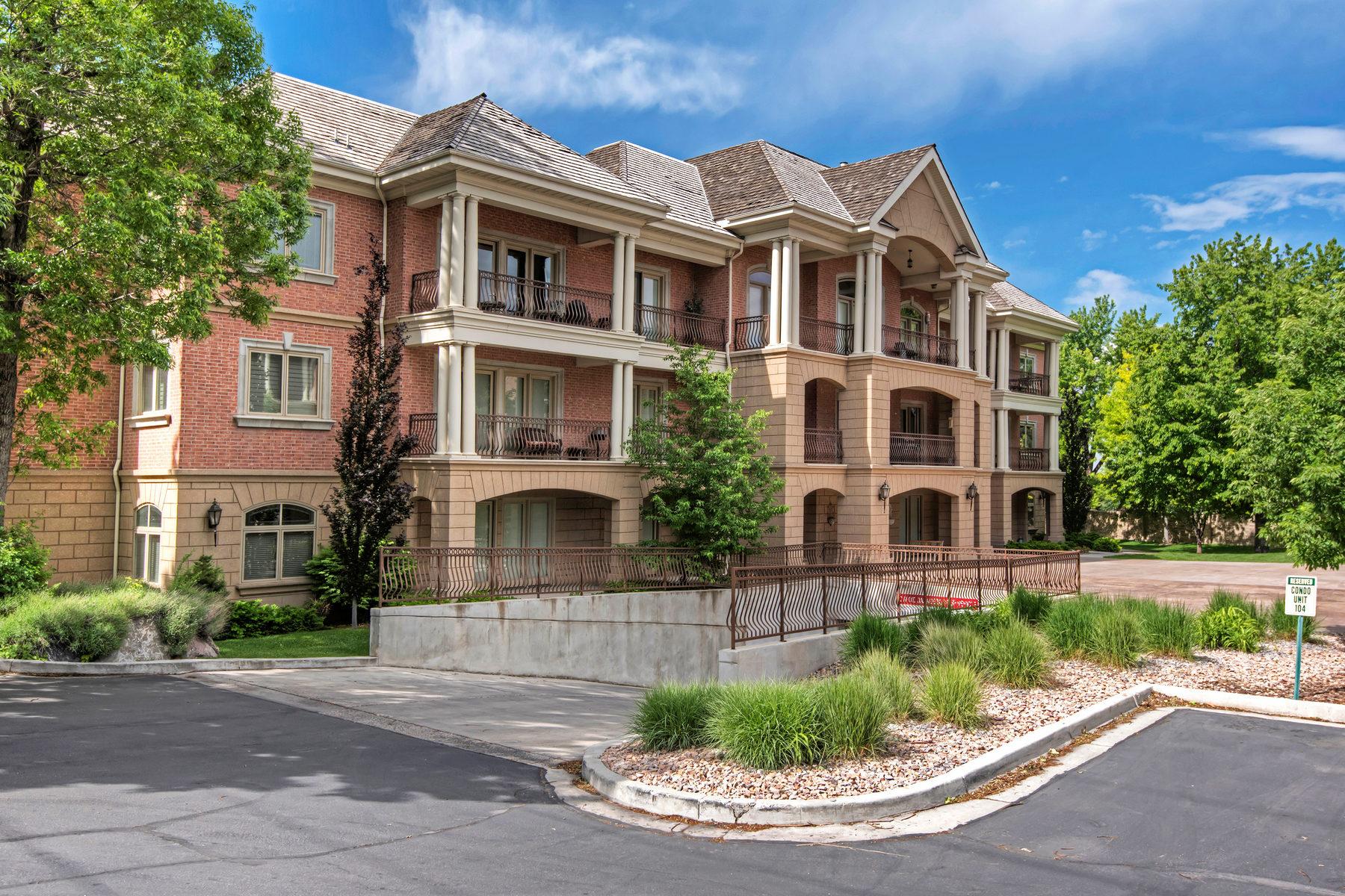 Piso por un Venta en Two Bedroom Condo in the Country Club Villas 2595 North 140 East #105 Provo, Utah, 84604 Estados Unidos