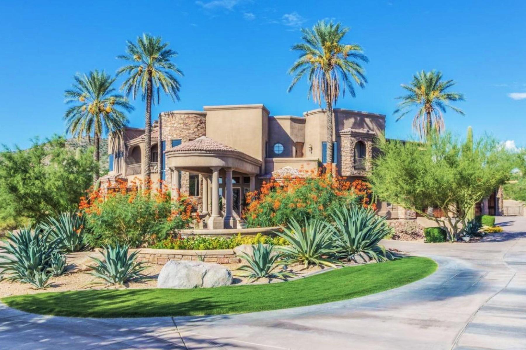 Nhà ở một gia đình vì Bán tại Absolute Perfection On Privately Gated Well Appointed Estate On 1.4 Acres 8744 E Oak Street Mesa, Arizona 85207 Hoa Kỳ