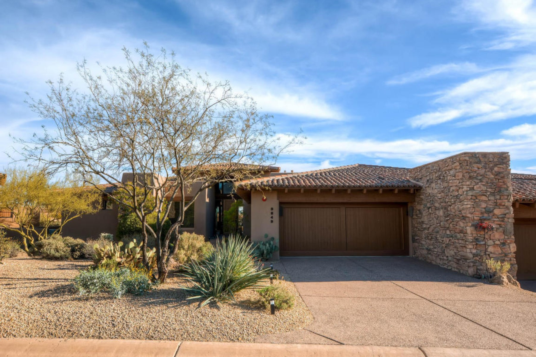 Moradia para Venda às Beautiful South facing Lantana floor plan with views 9849 E Forgotten Hills Dr Scottsdale, Arizona, 85262 Estados Unidos