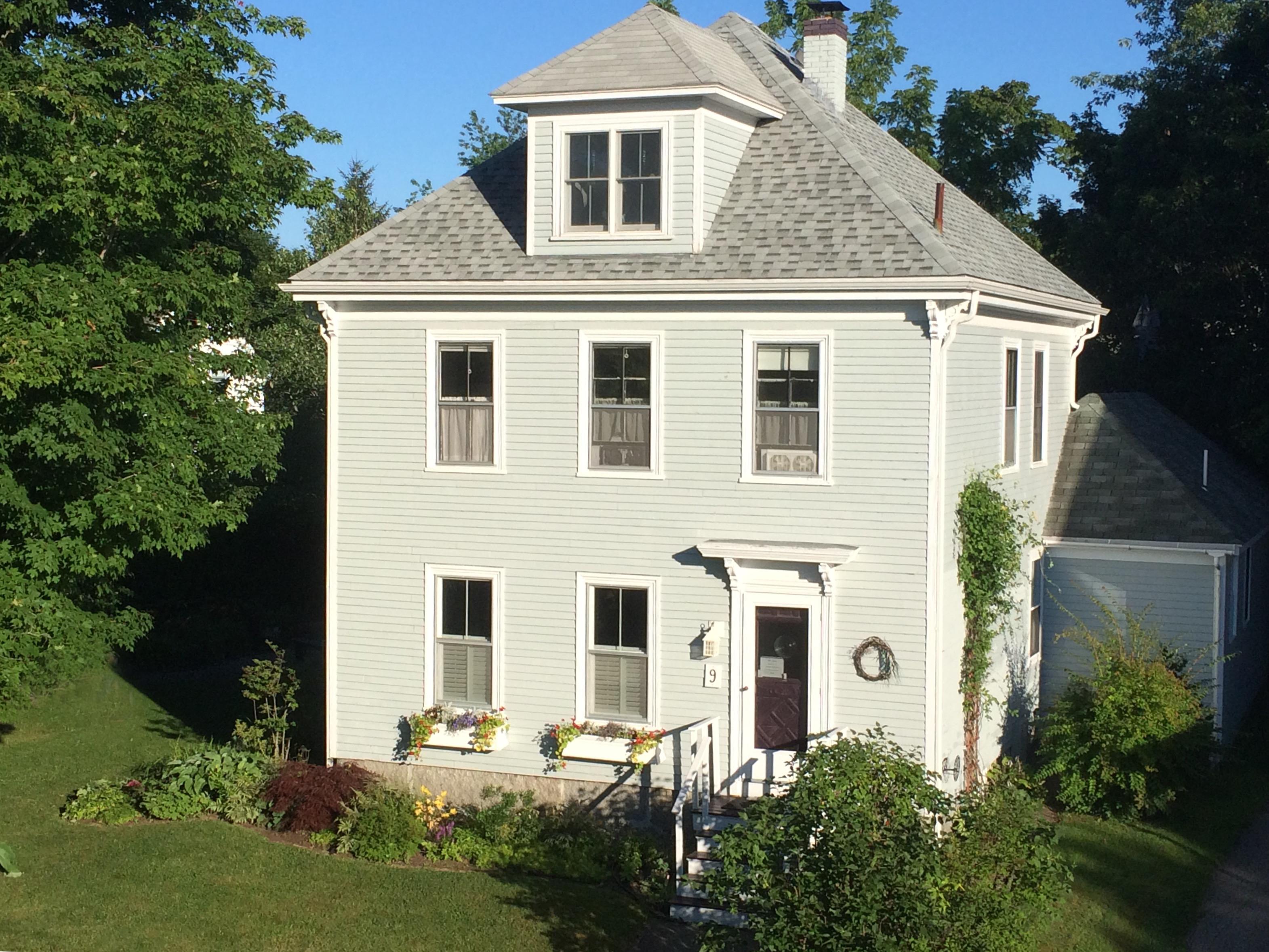 Tek Ailelik Ev için Satış at Alden Street 9 Alden Street Camden, Maine 04843 Amerika Birleşik Devletleri