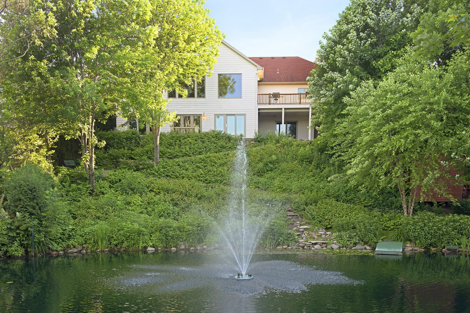 Maison unifamiliale pour l Vente à 7431 Windmill Drive Chanhassen, Minnesota 55317 États-Unis