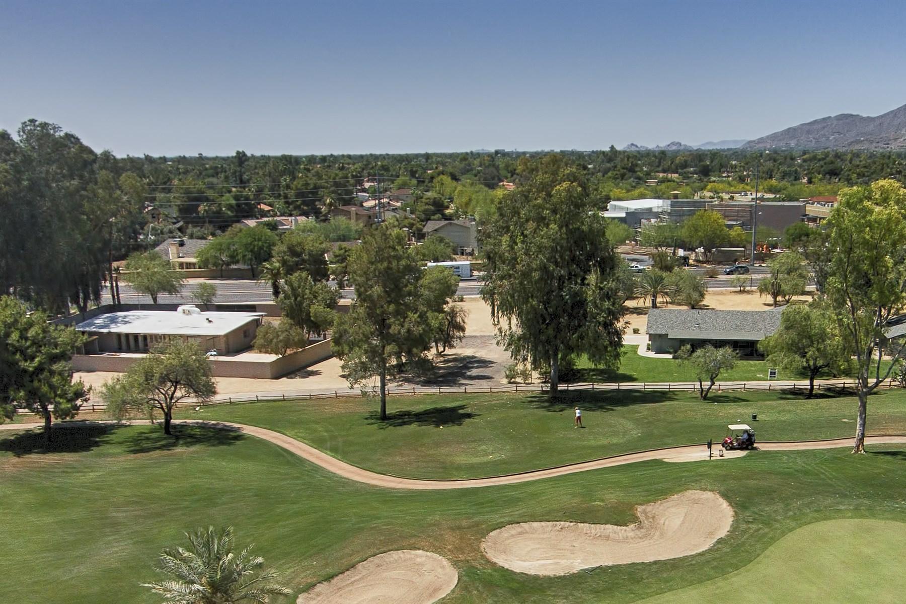 Casa para uma família para Venda às 1+ Acre Located In One Of The Best Locations In North Central Scottsdale 7632 E Shea Blvd Scottsdale, Arizona 85260 Estados Unidos
